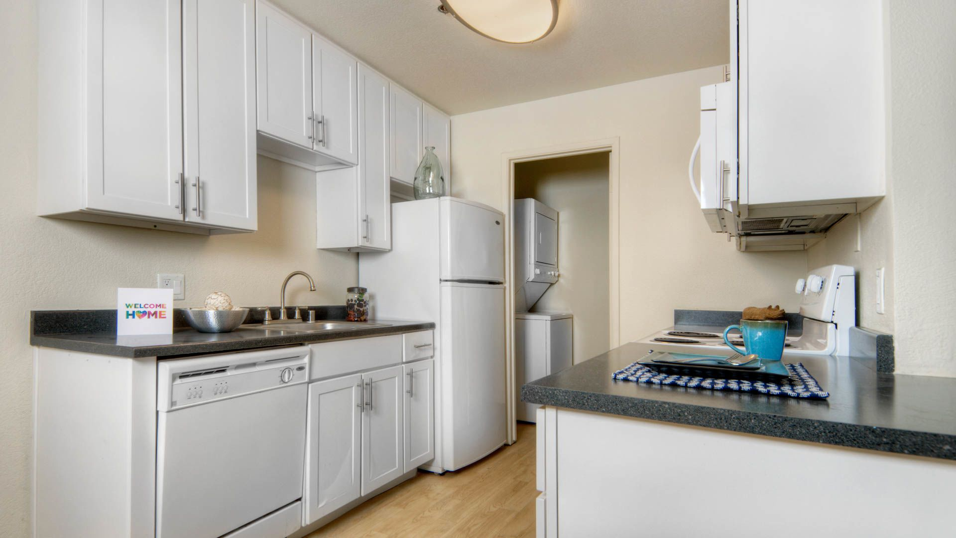 Briarwood Apartments - Kitchen