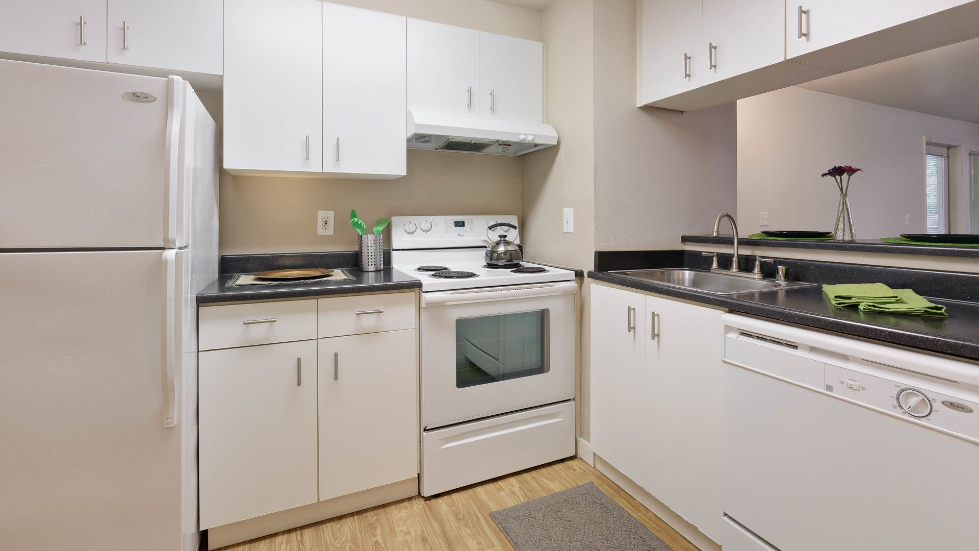 Seventh and James Apartments - Kitchen