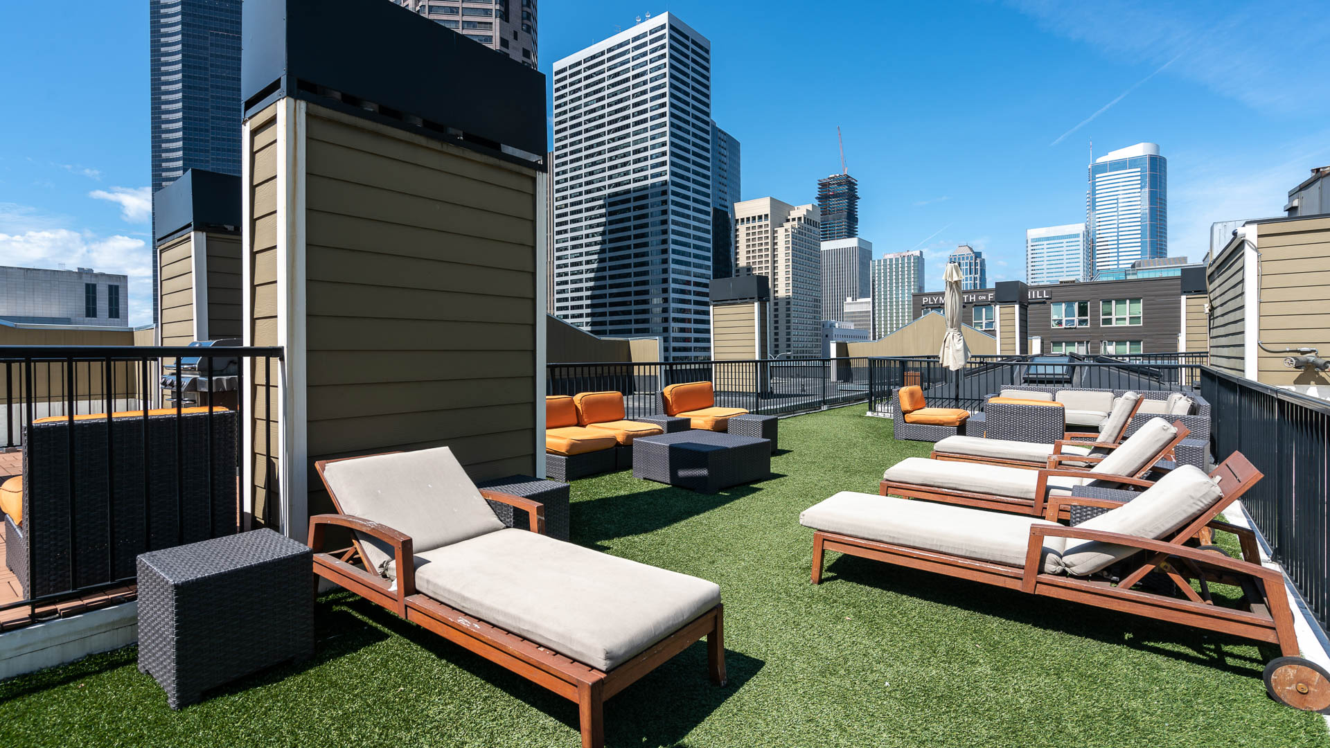 Seventh and James Apartments - Rooftop Lounge