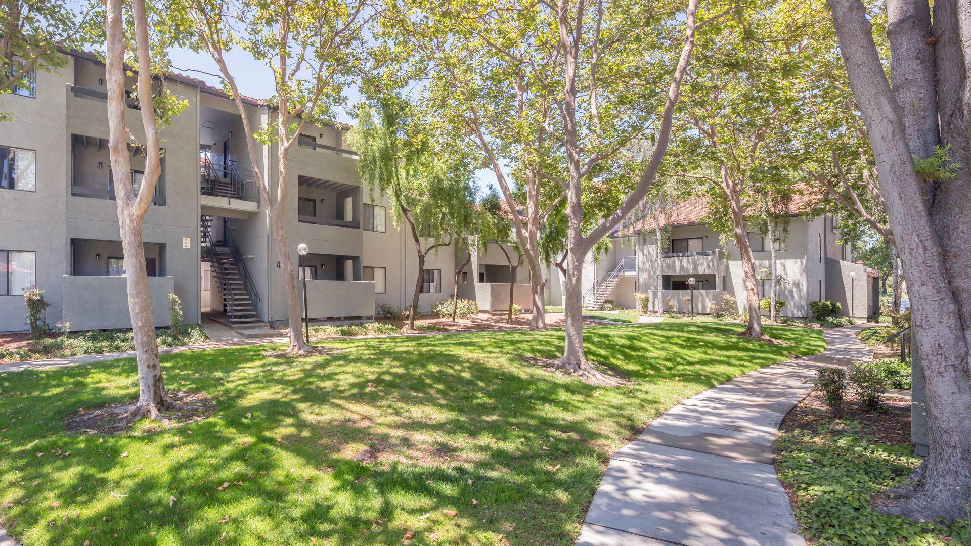 Skylark Apartments - Exterior