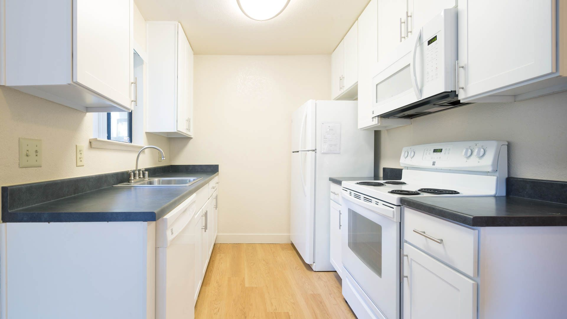Skylark Apartments  - Kitchen