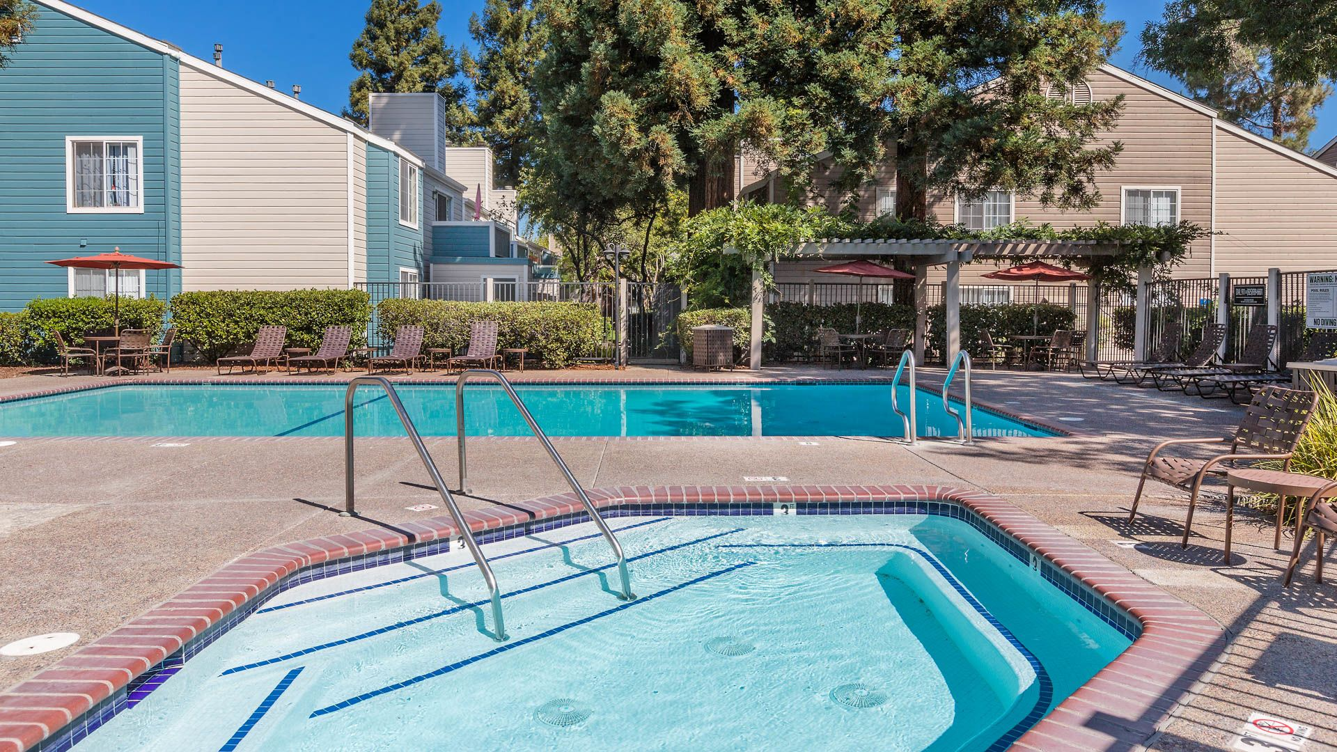 Canyon Creek Apartments - Swimming Pool