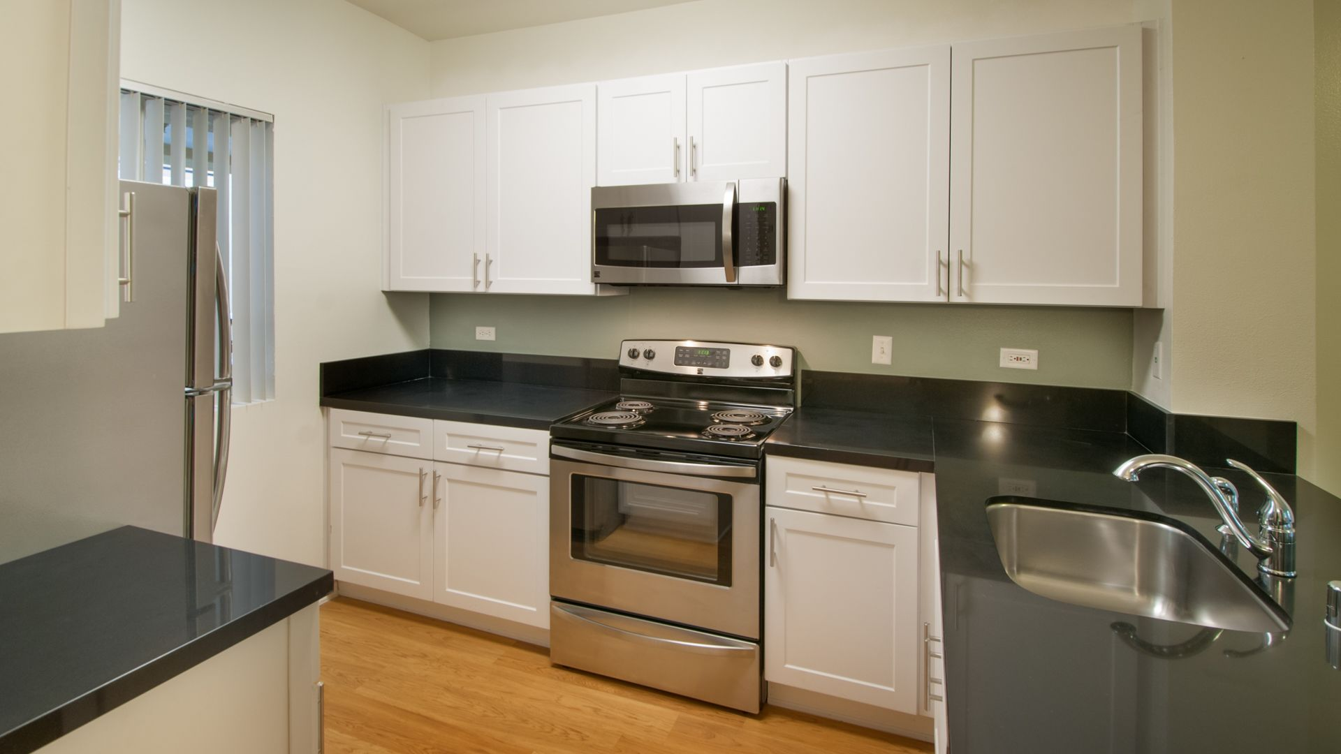 Toscana Apartments - Kitchen