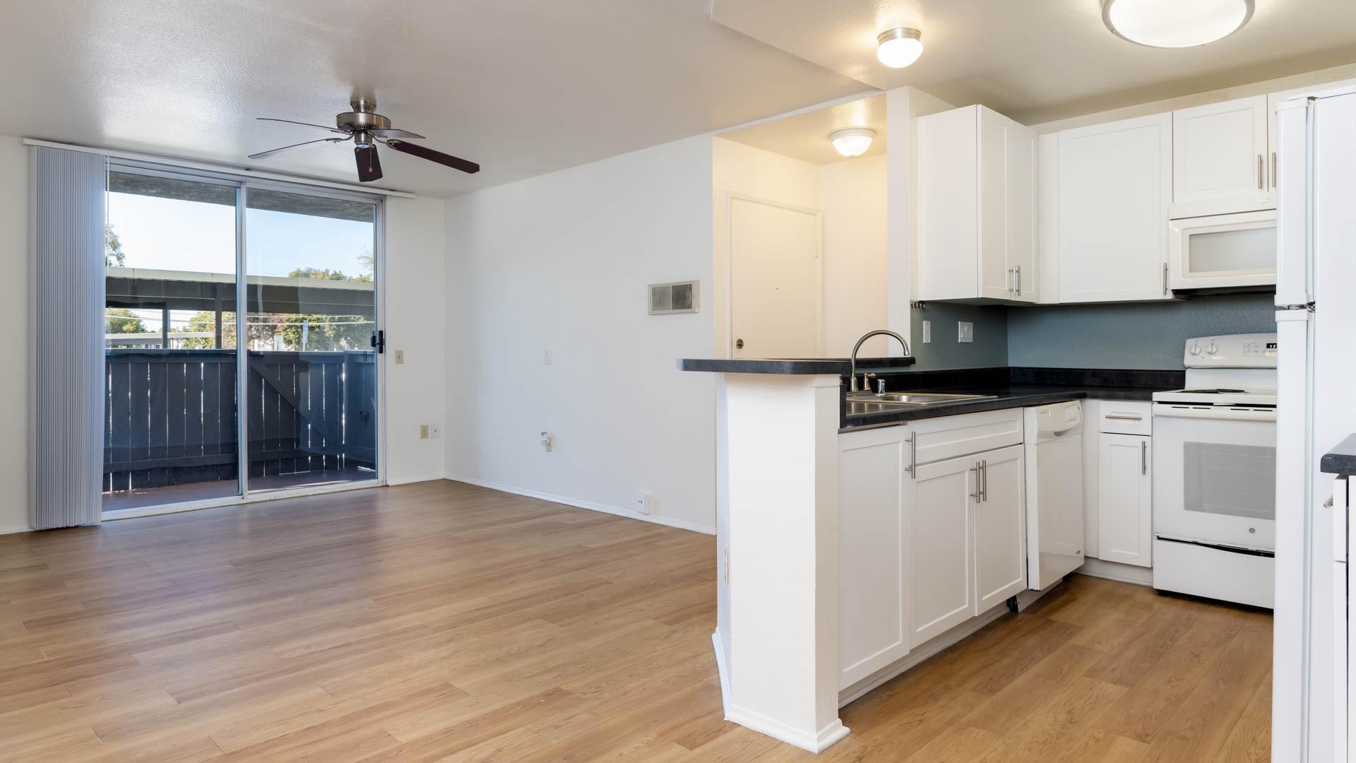 Canyon Ridge Apartments - Living Area