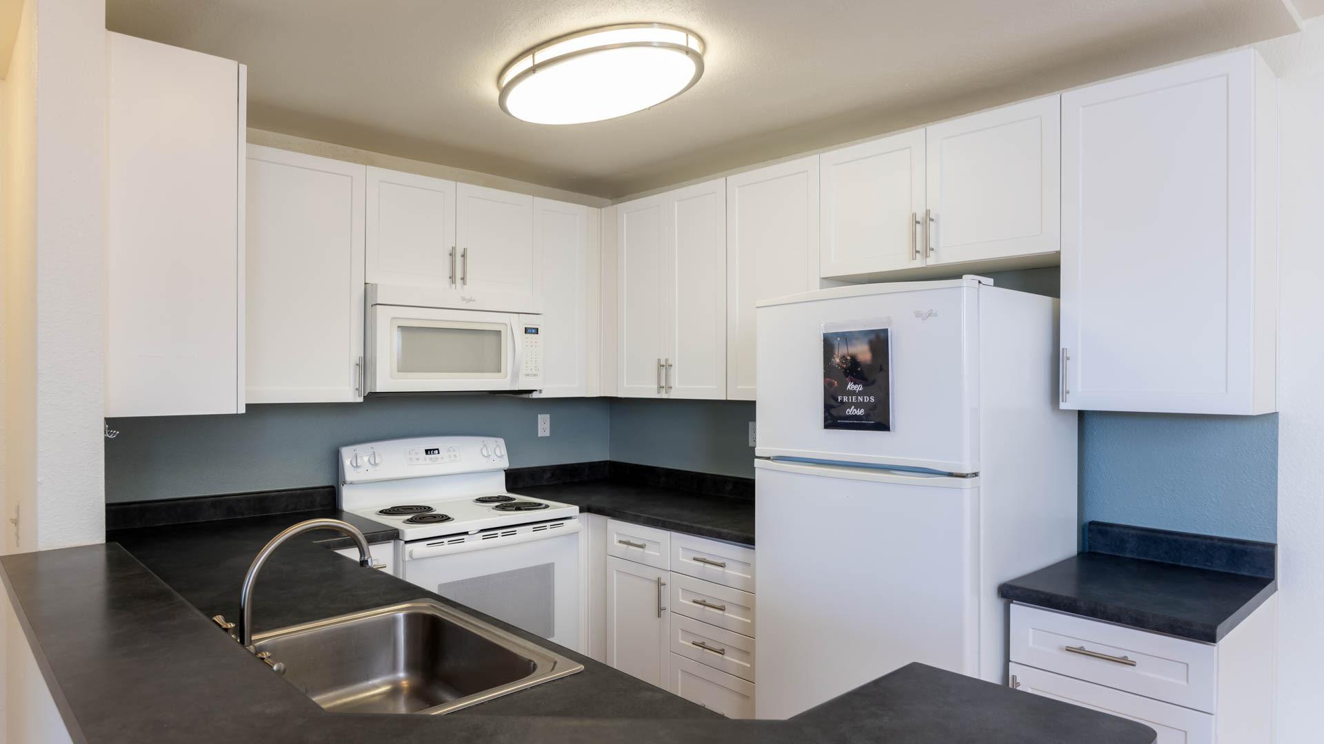 Canyon Ridge Apartments - Kitchen