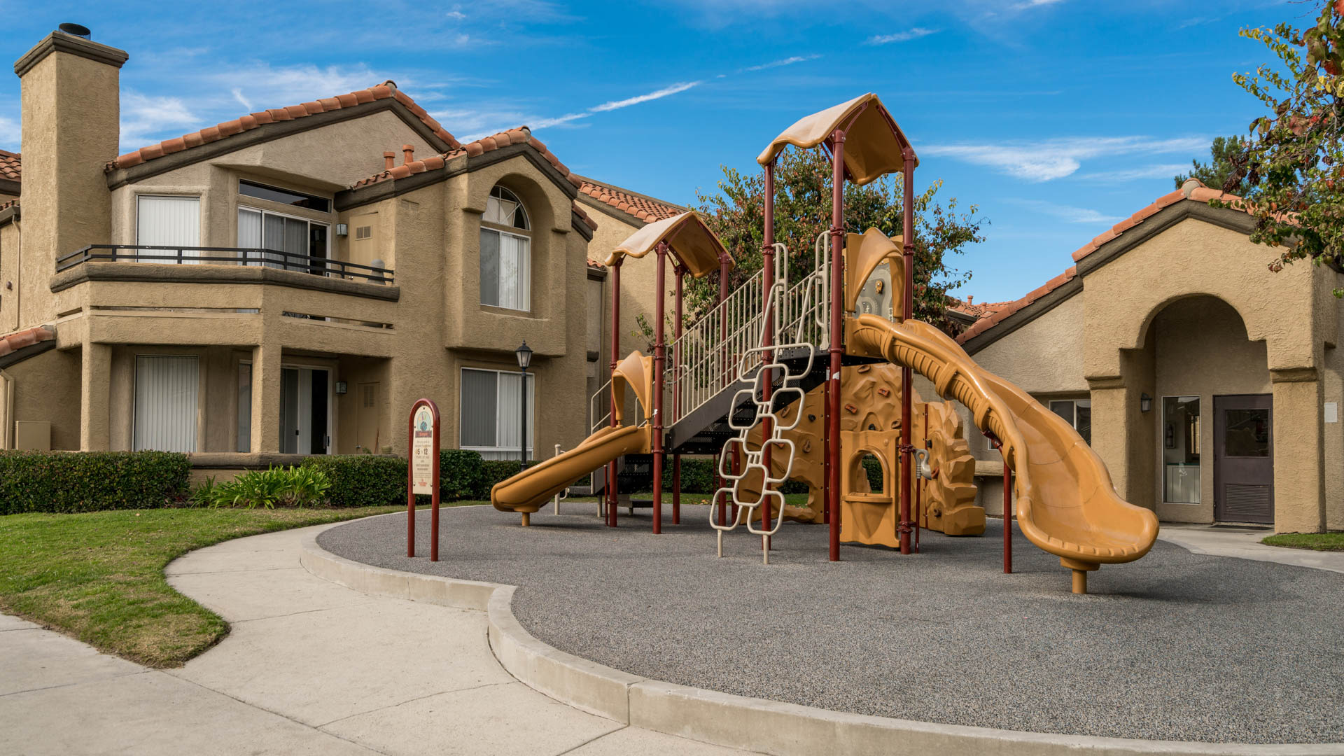 Vista Del Lago Apartments - Playground