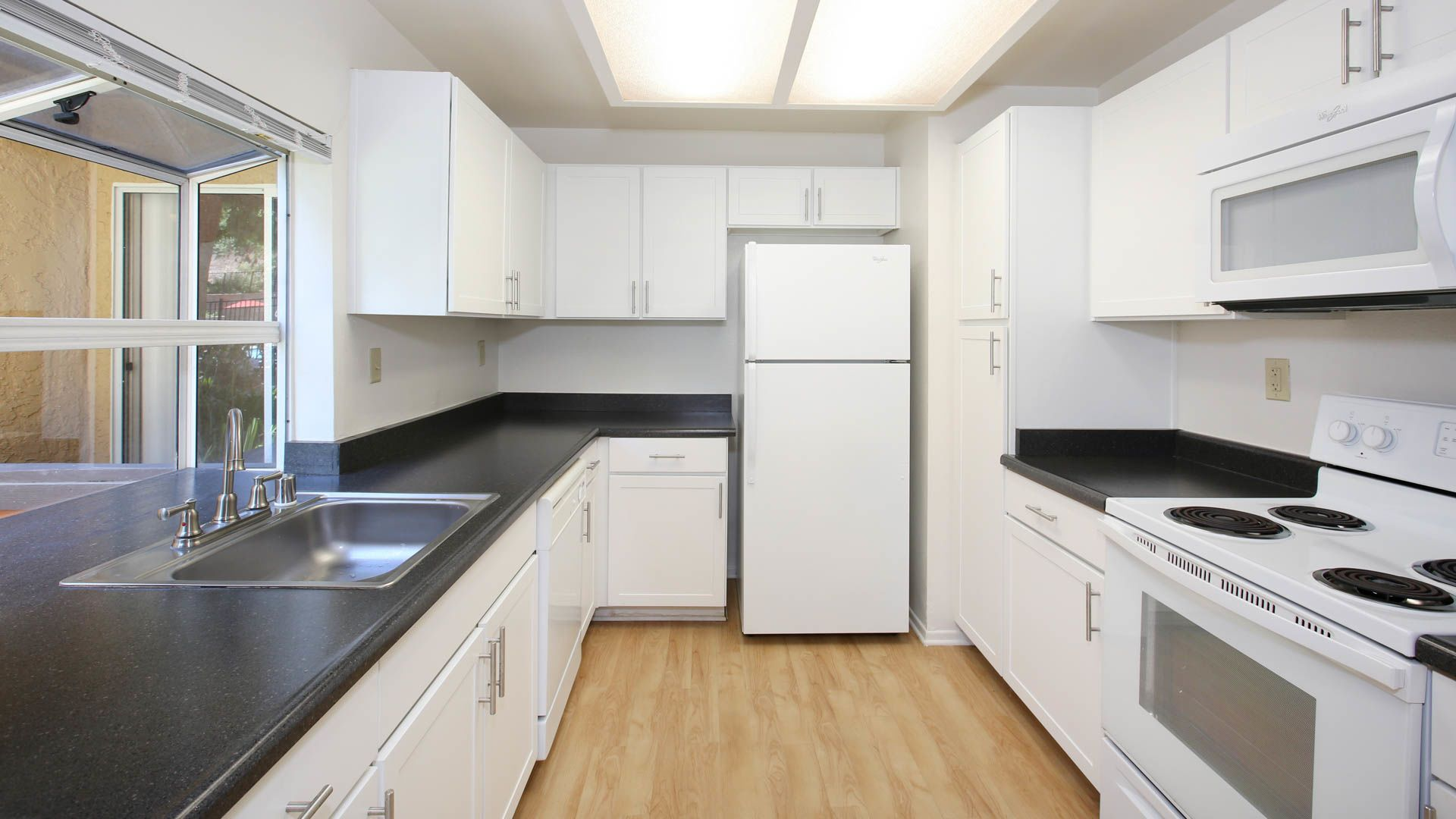 Windridge Apartments - Kitchen