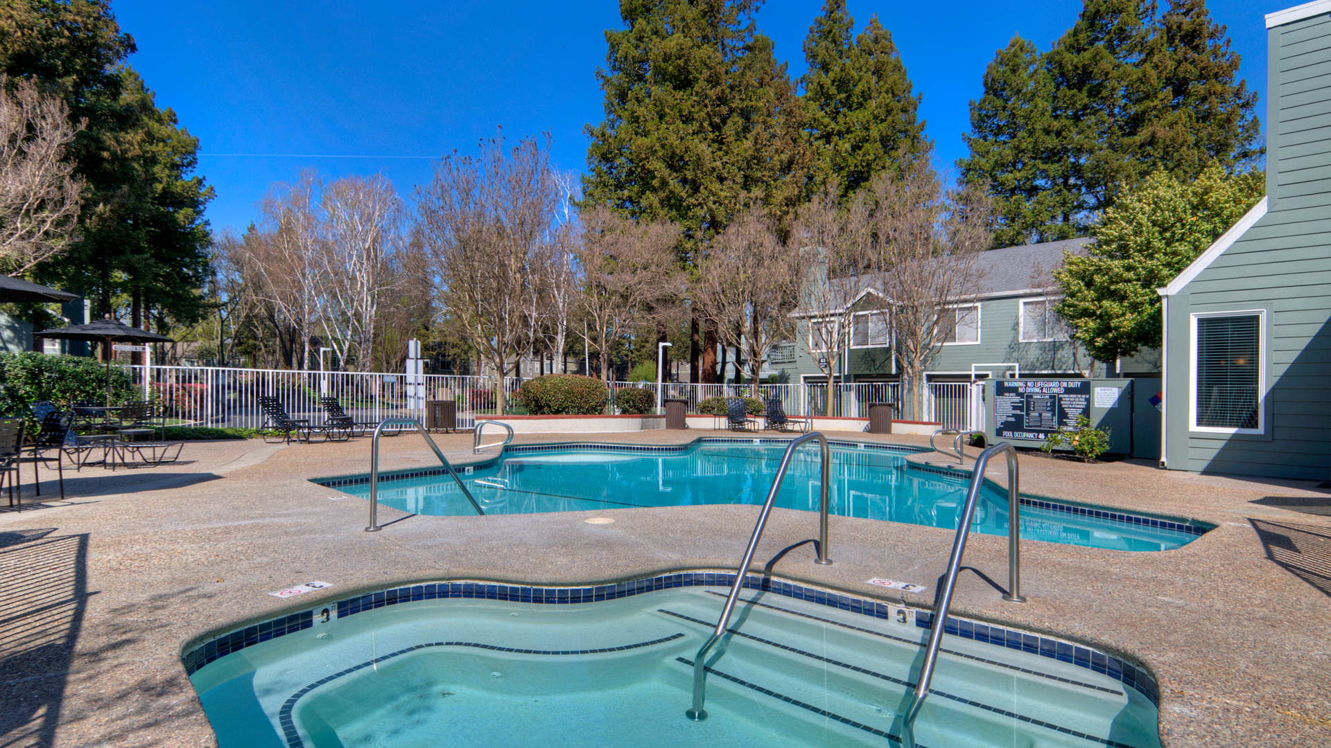 Wood Creek Apartments - Swimming Pool and Hot Tub