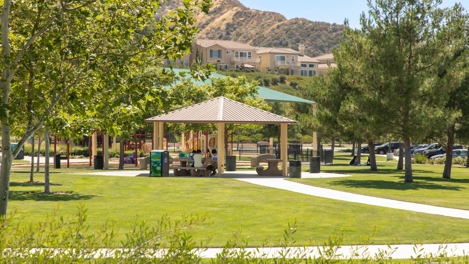The Oaks Apartments - Neighborhood