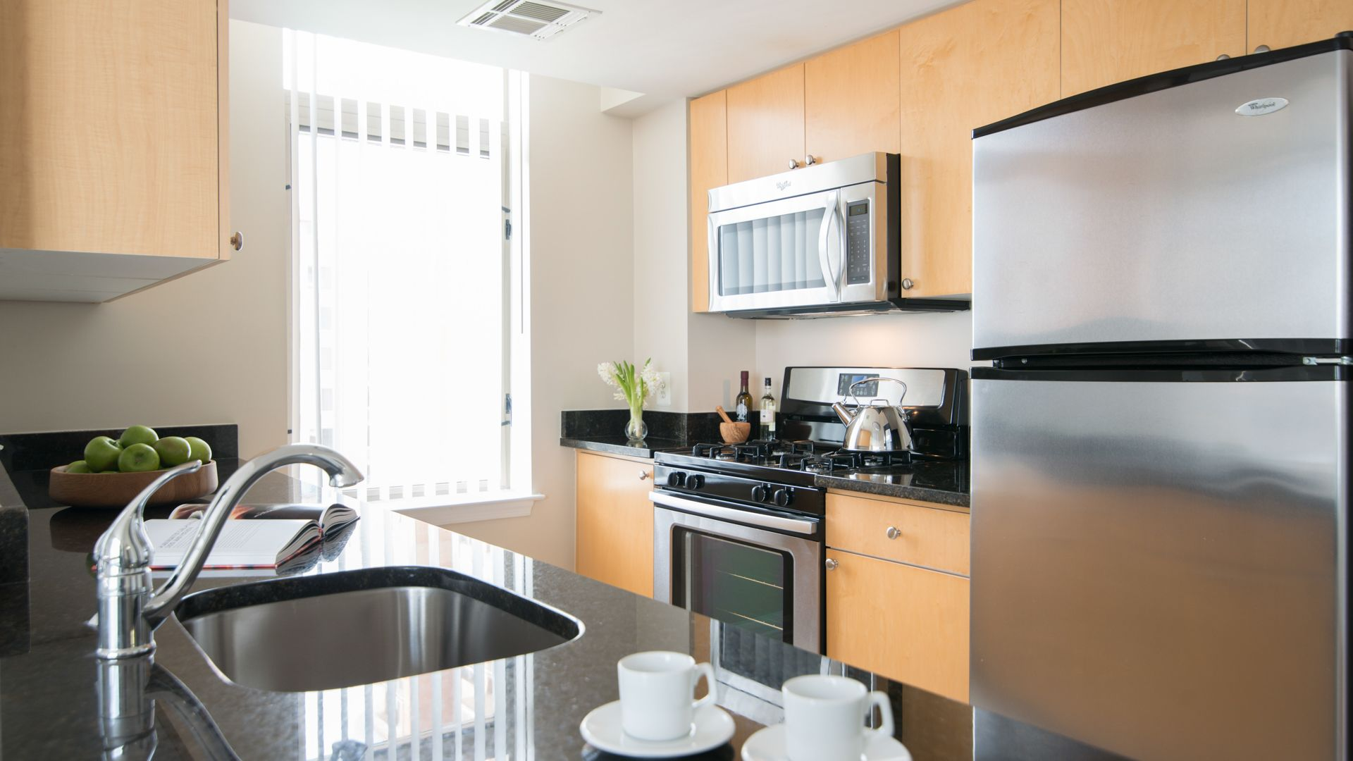 The Reserve at Clarendon Centre Apartments - Kitchen