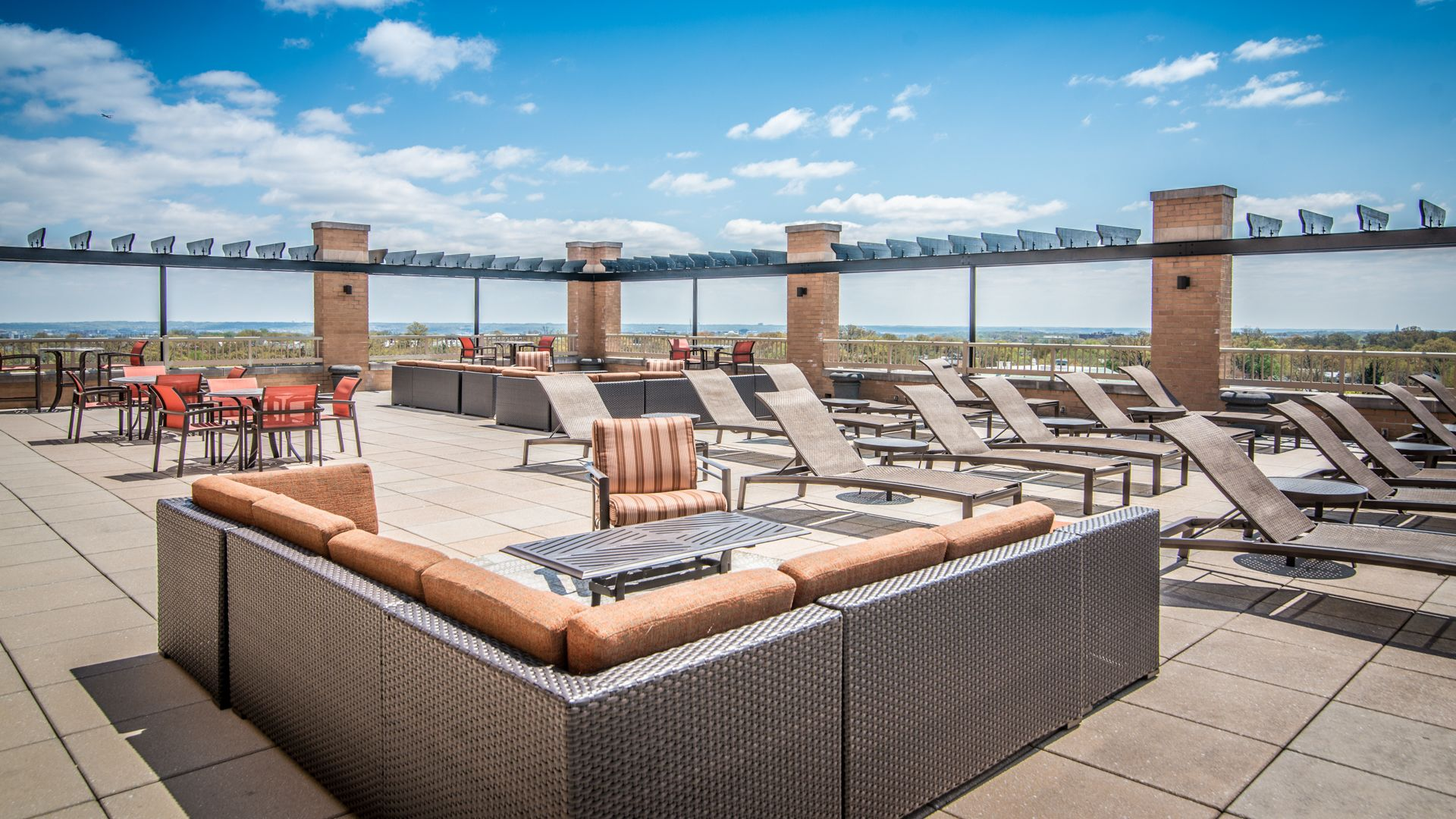 The Reserve at Clarendon Centre Apartments - Sun Deck