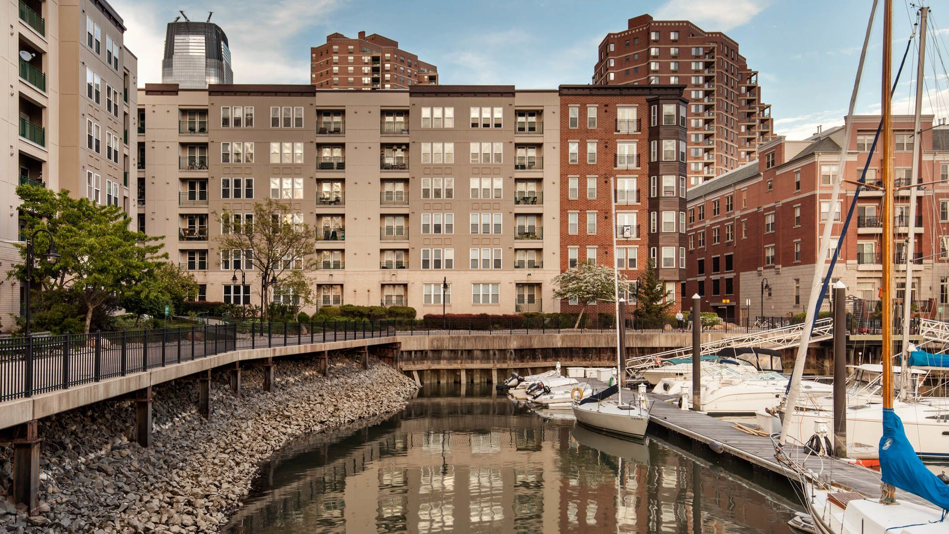 Hudson Point Apartments - Downtown Jersey City - 131 ...