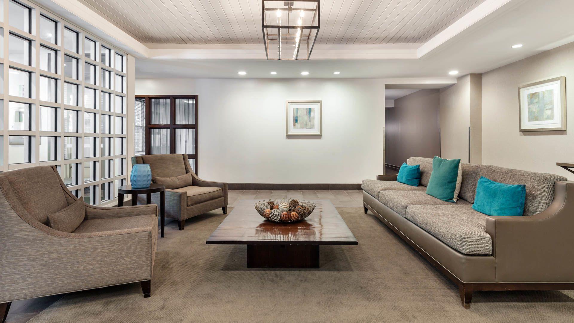 Hudson Point Apartments - Lobby