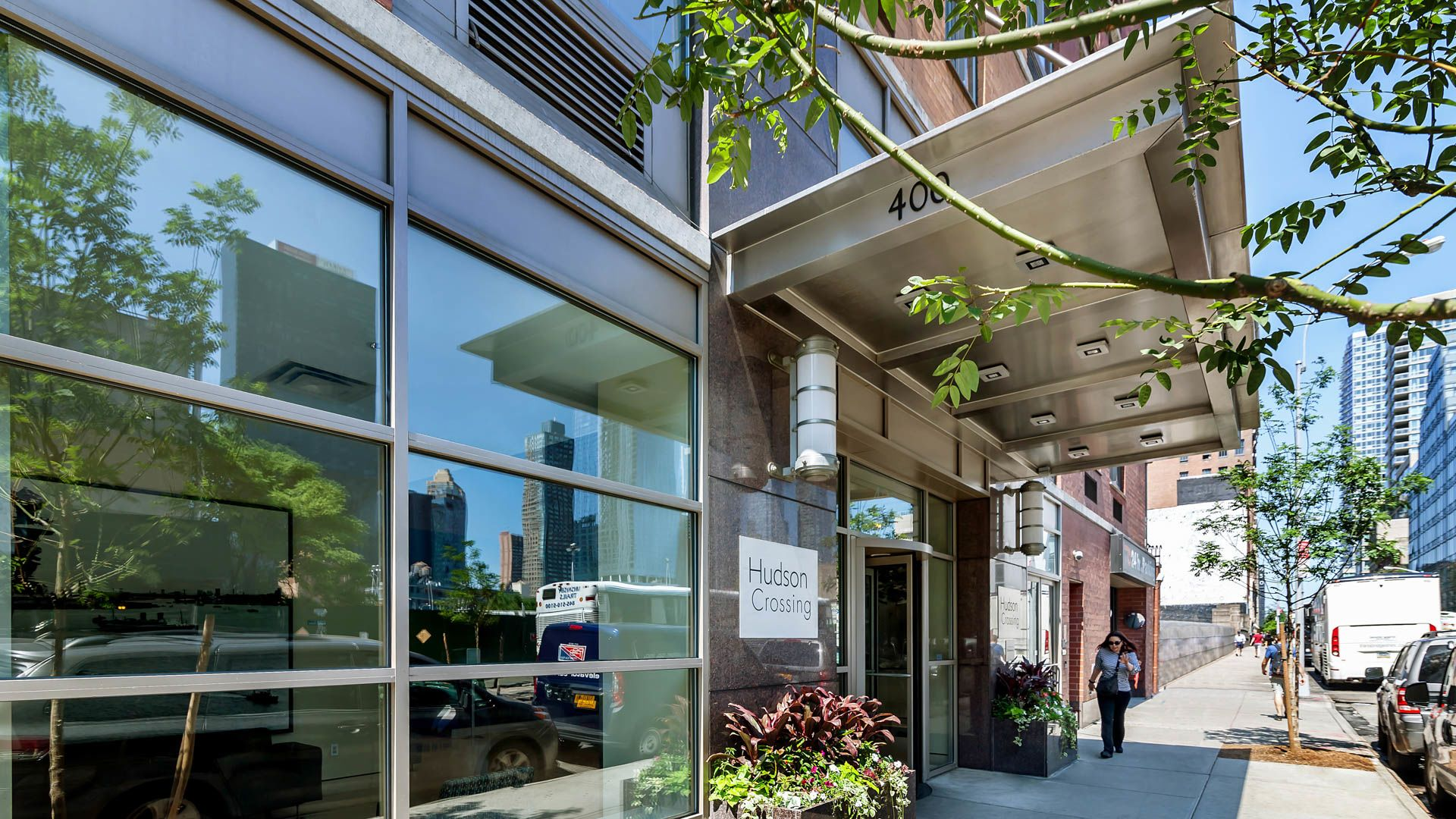 Hudson Crossing Apartments - Exterior