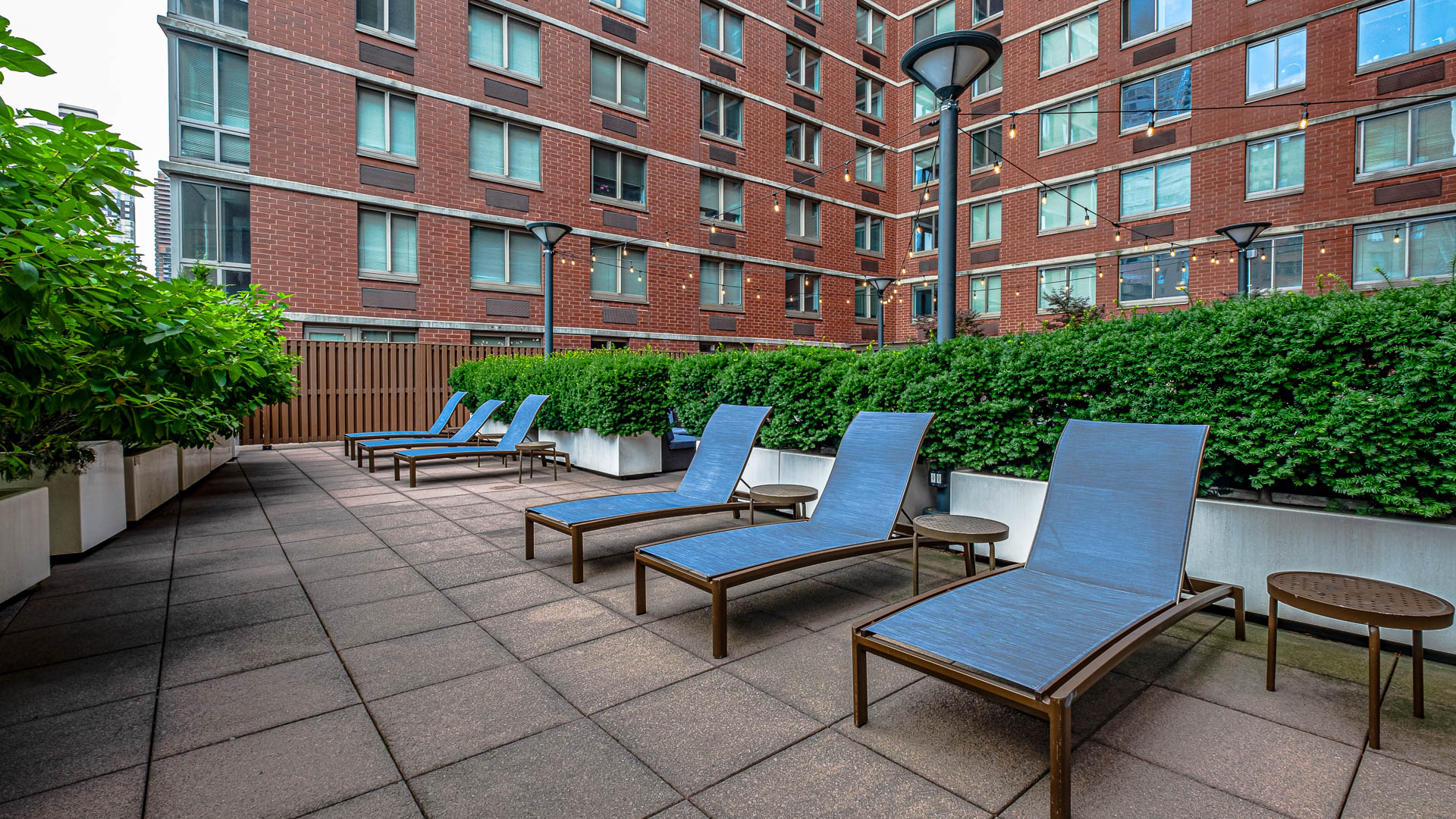Hudson Crossing Apartments - Sun Deck