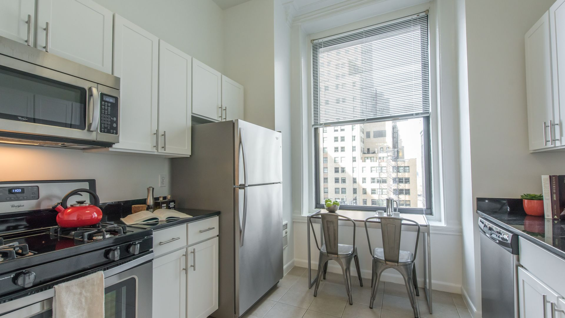71 Broadway Apartments - Kitchen