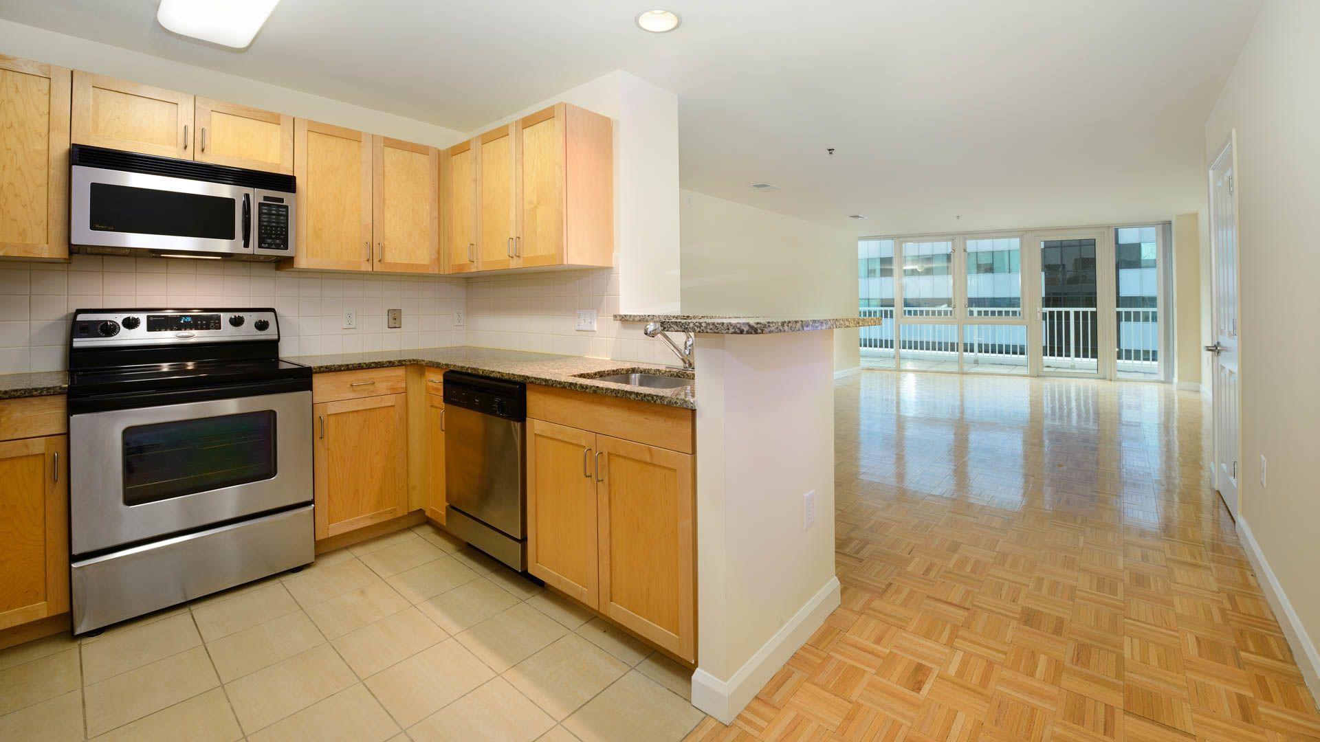 The Pier Apartments - Kitchen
