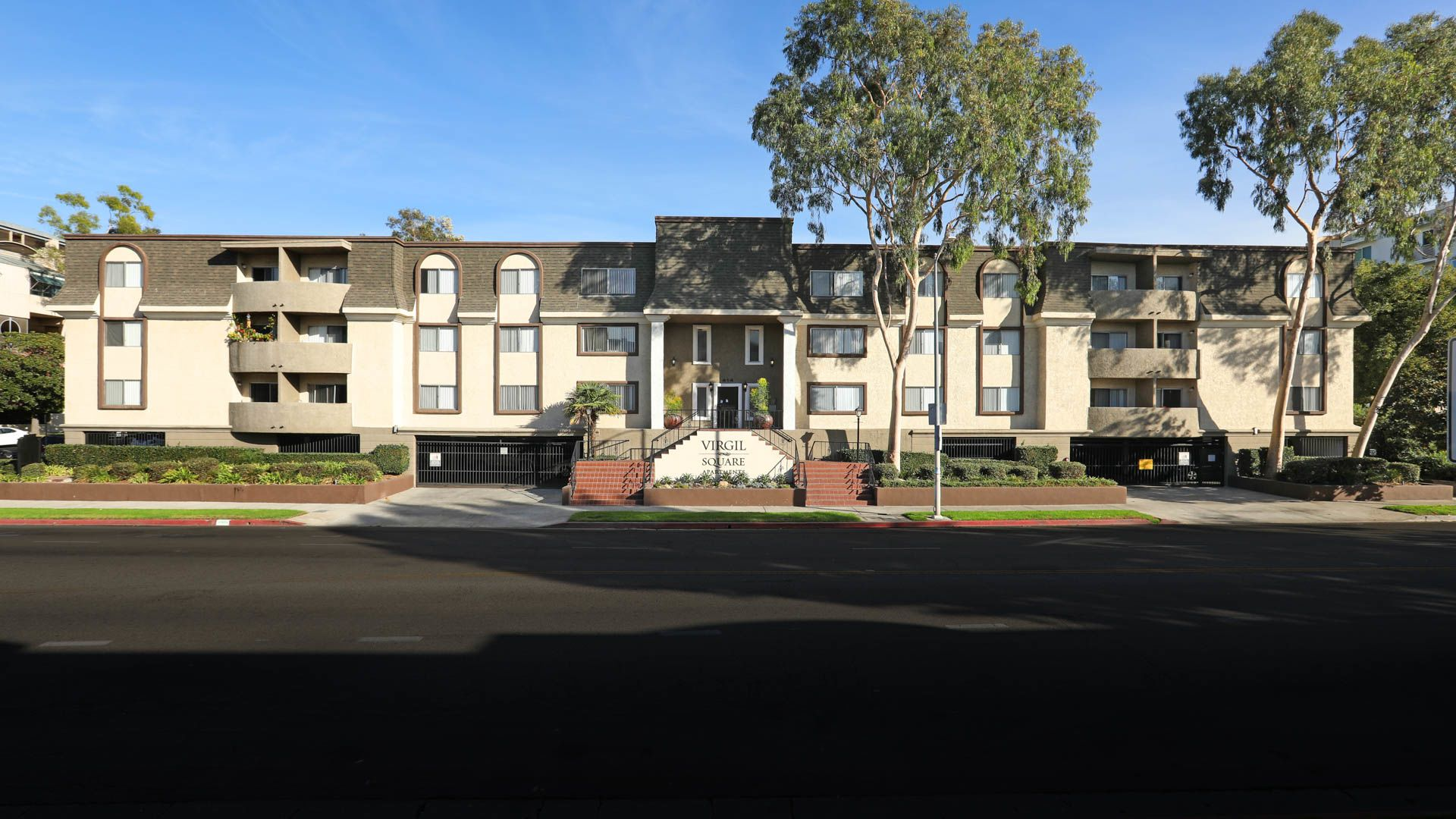 Virgil Square Apartments - Building Exterior