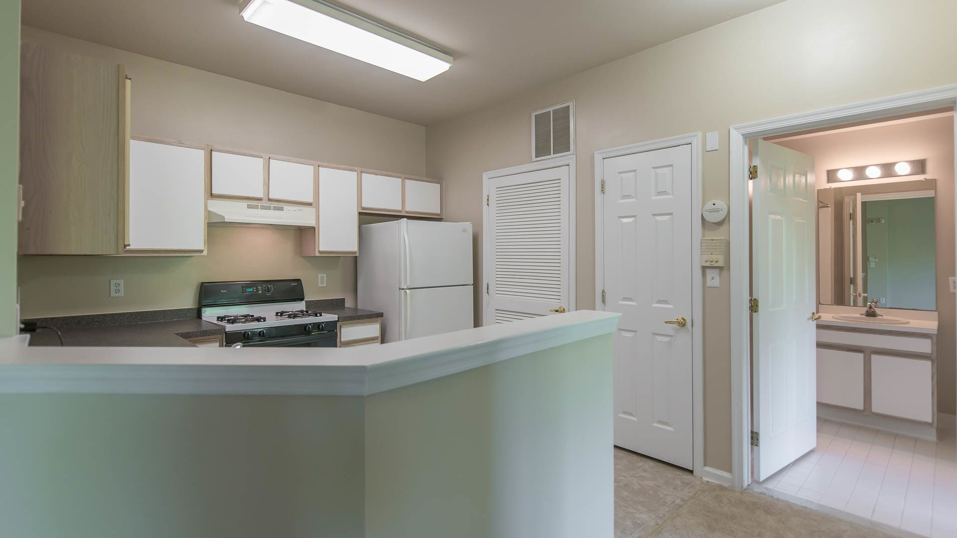 The Highlands at South Plainfield Apartments - Kitchen