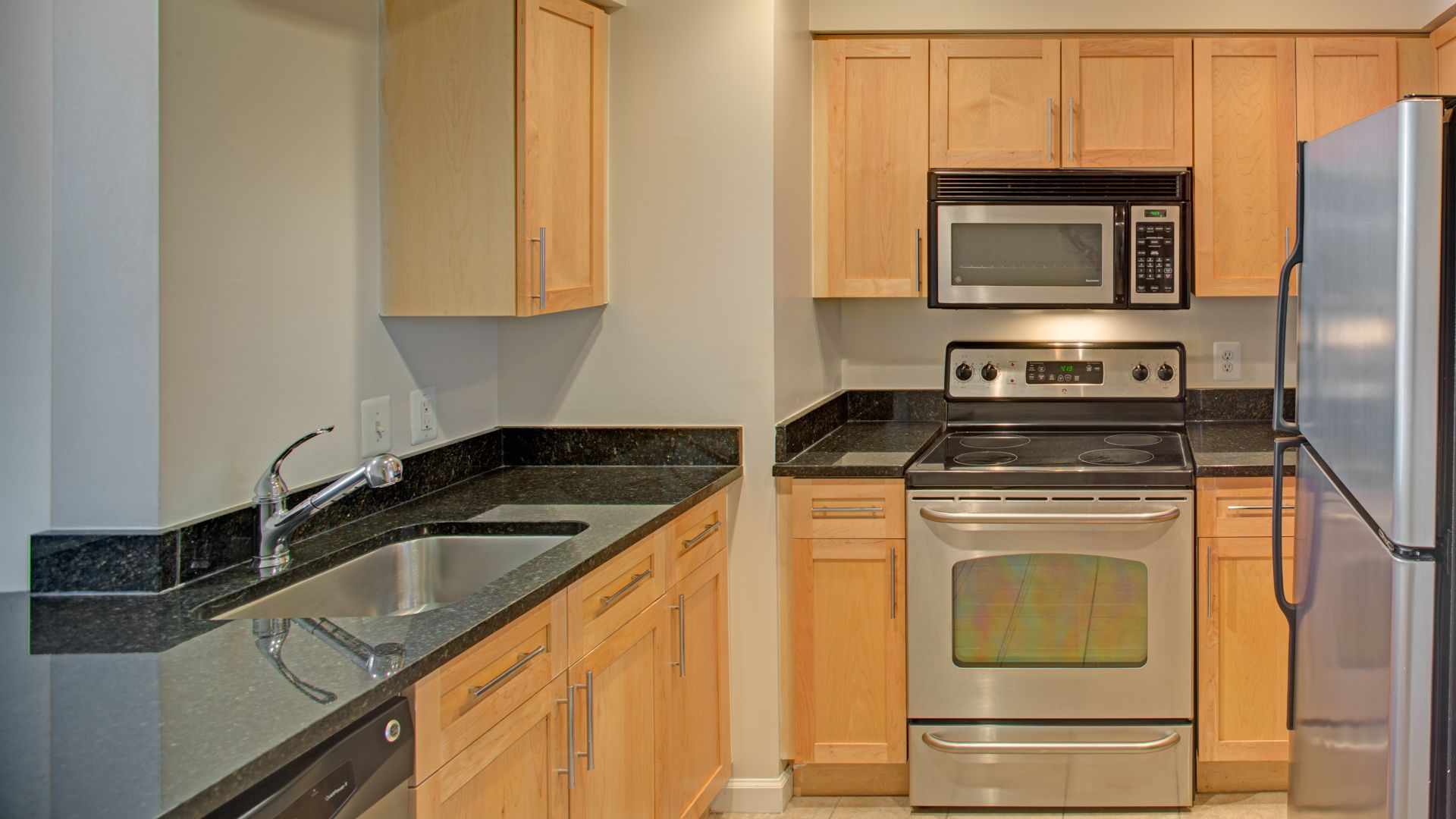 The Prime at Arlington Courthouse Apartments Kitchen