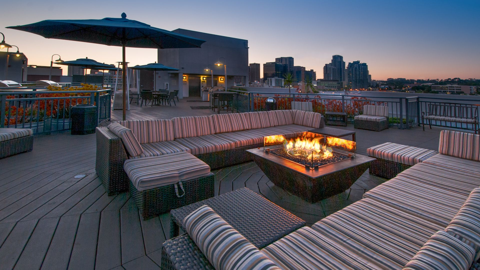 Market Street Village Apartments - Rooftop