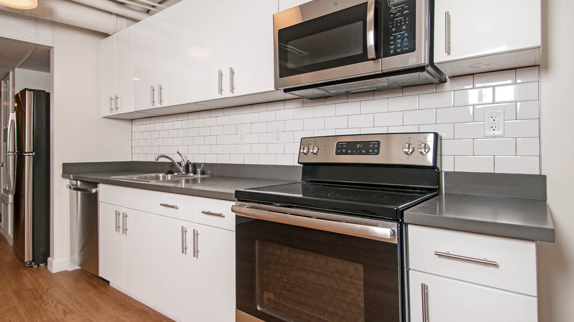 Berkeley Apartments - ARTech - Kitchen