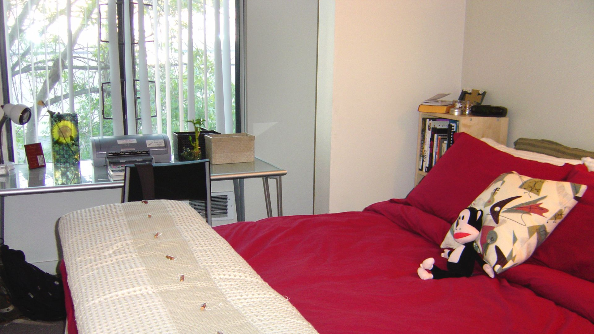 Acton Courtyard Apartments - Bedroom