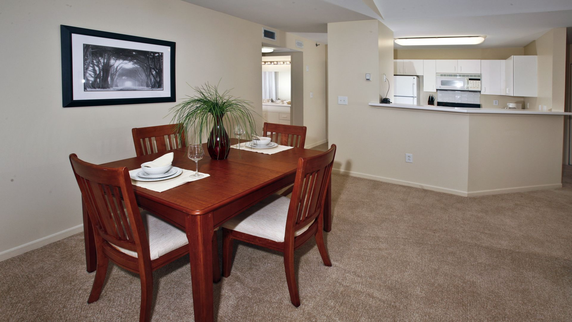 Fairfield Apartments - Kitchen and Dining
