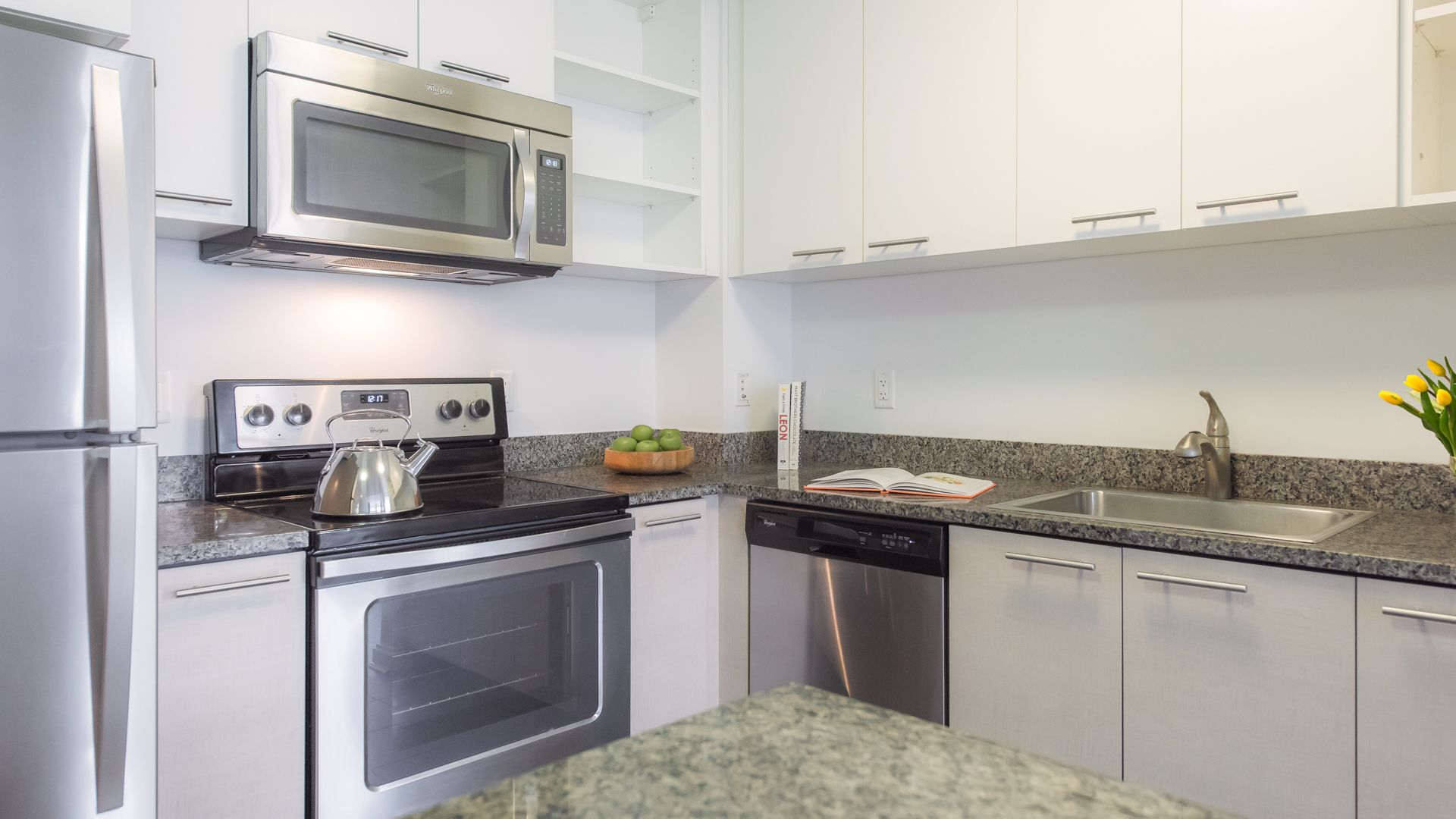 Third Square Apartments - Kitchen