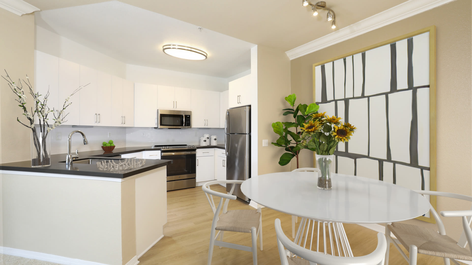 City Pointe Apartments - Kitchen with Stainless Steel Appliances