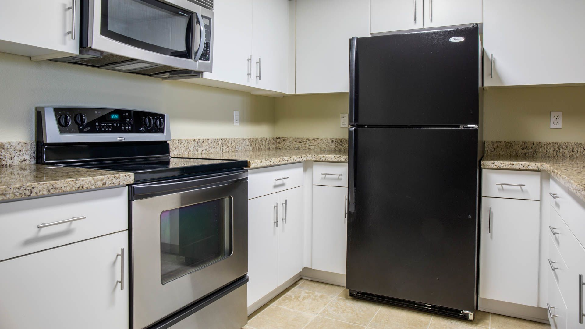 Mozaic at Union Station Apartments - Kitchen