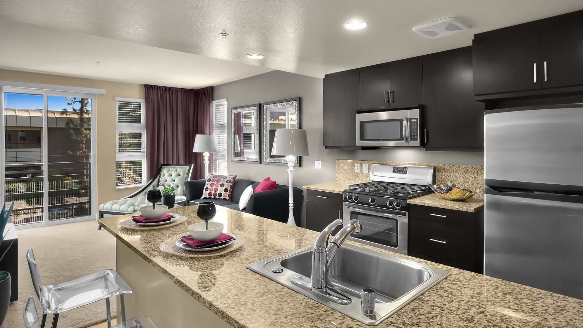 Westgate Apartments - Kitchen