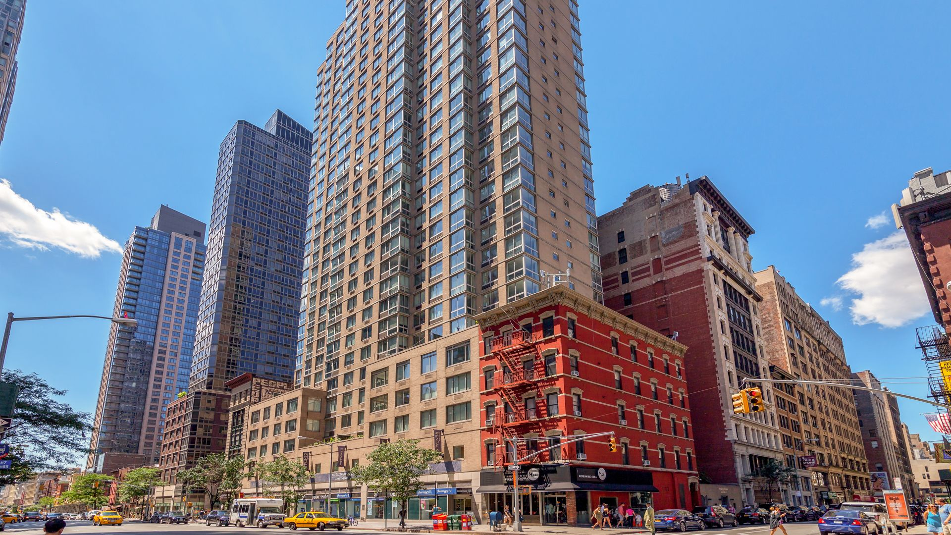 777 Sixth Avenue Apartments - Exterior