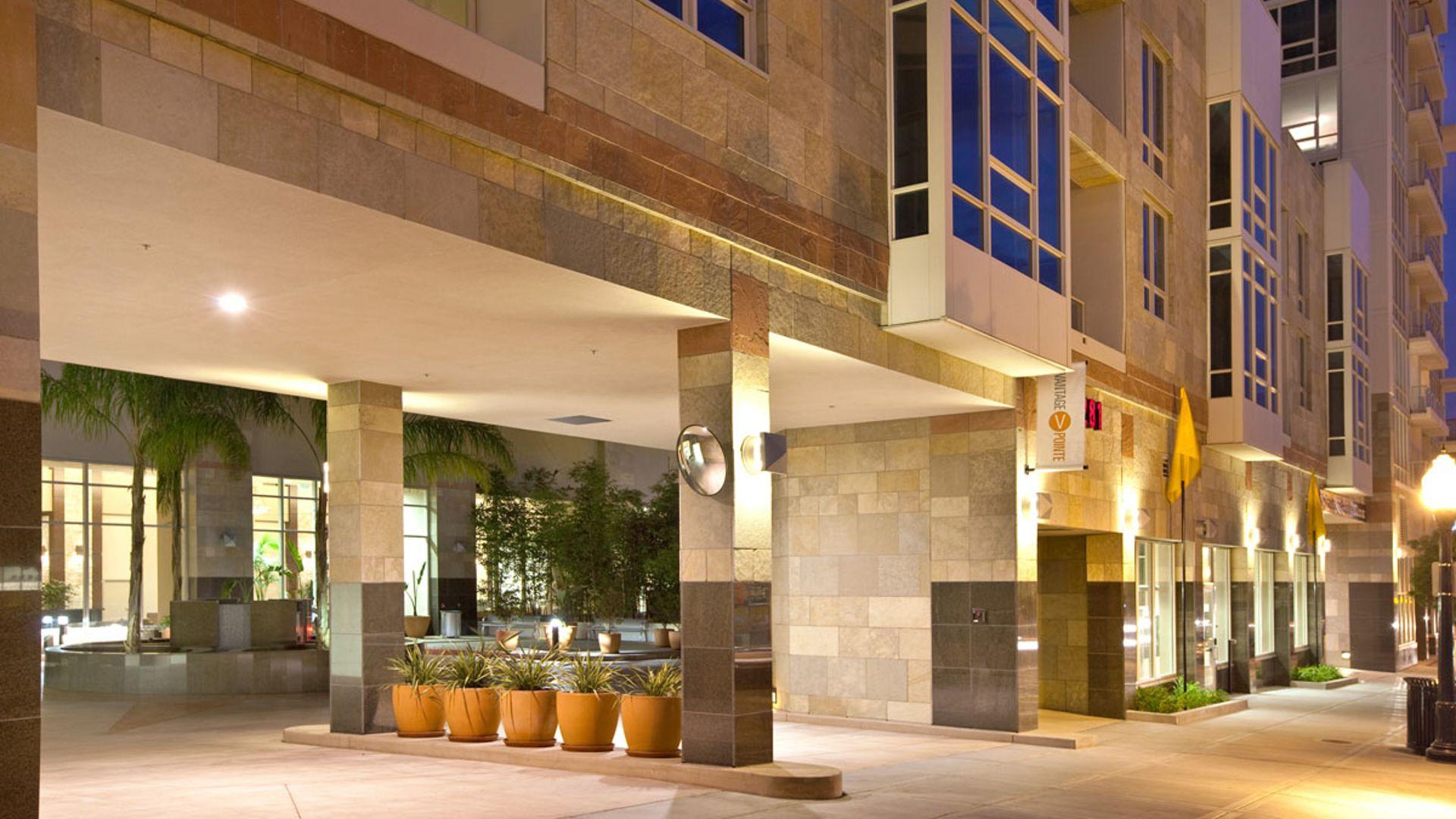 Vantage Pointe Apartments - Entrance