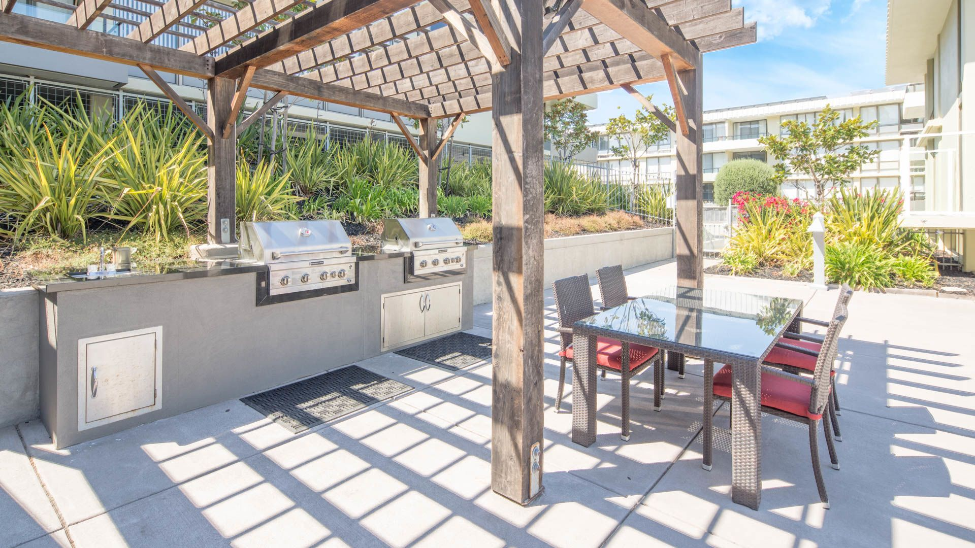 Skyline Terrace Apartments - Grilling Area