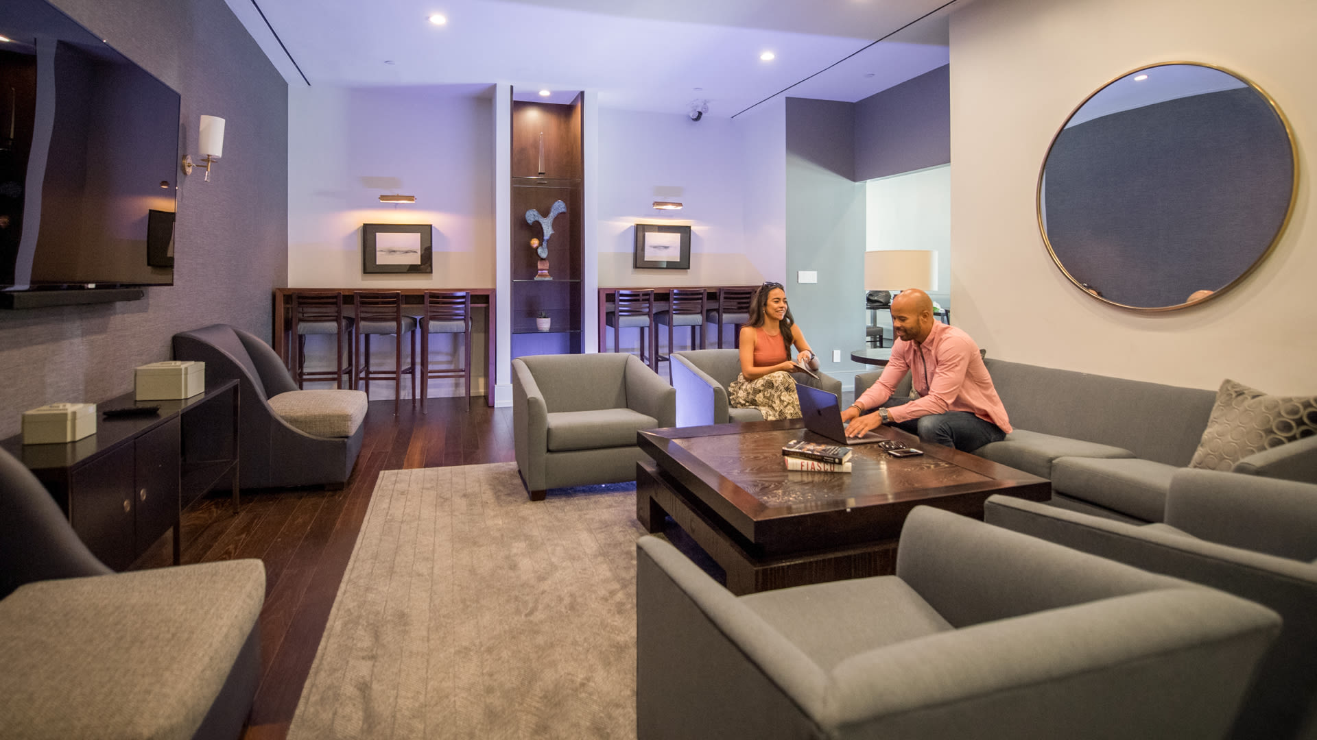 180 Riverside Apartments - Resident Lounge