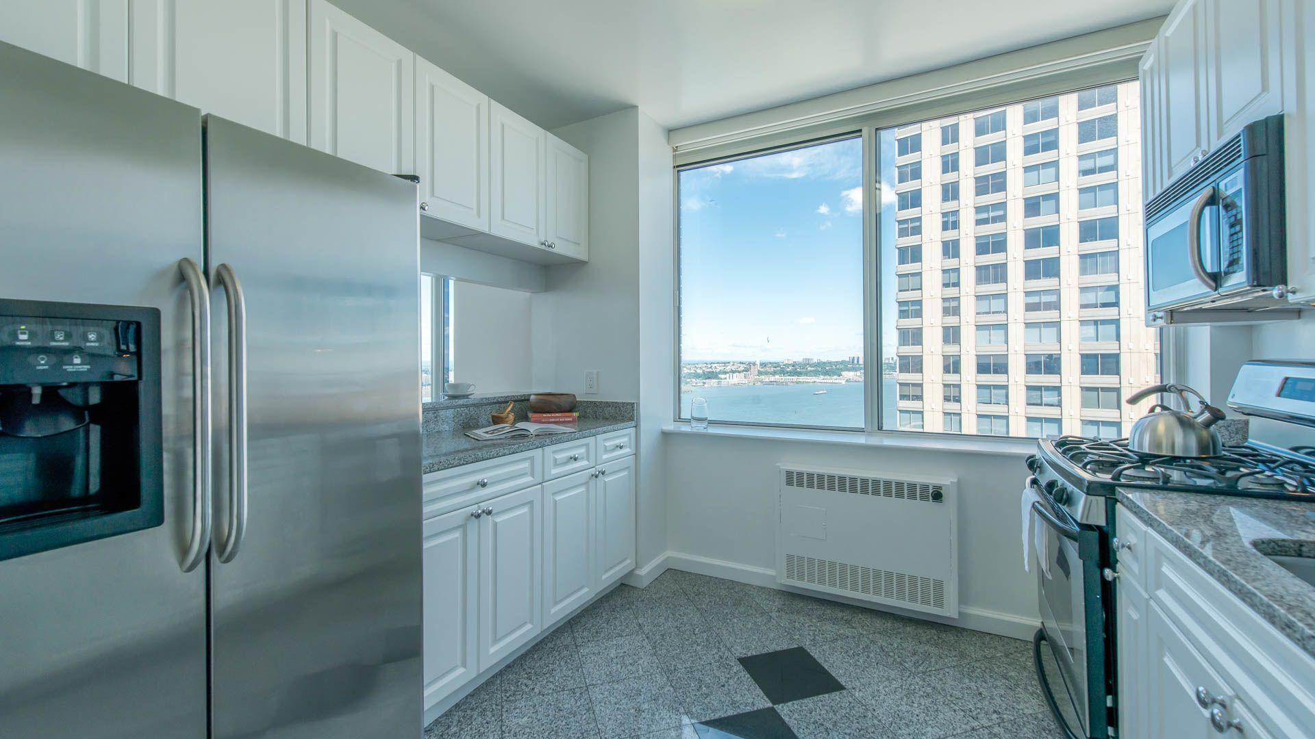 180 Riverside Boulevard Apartments - 180 Riverside Boulevard in ...