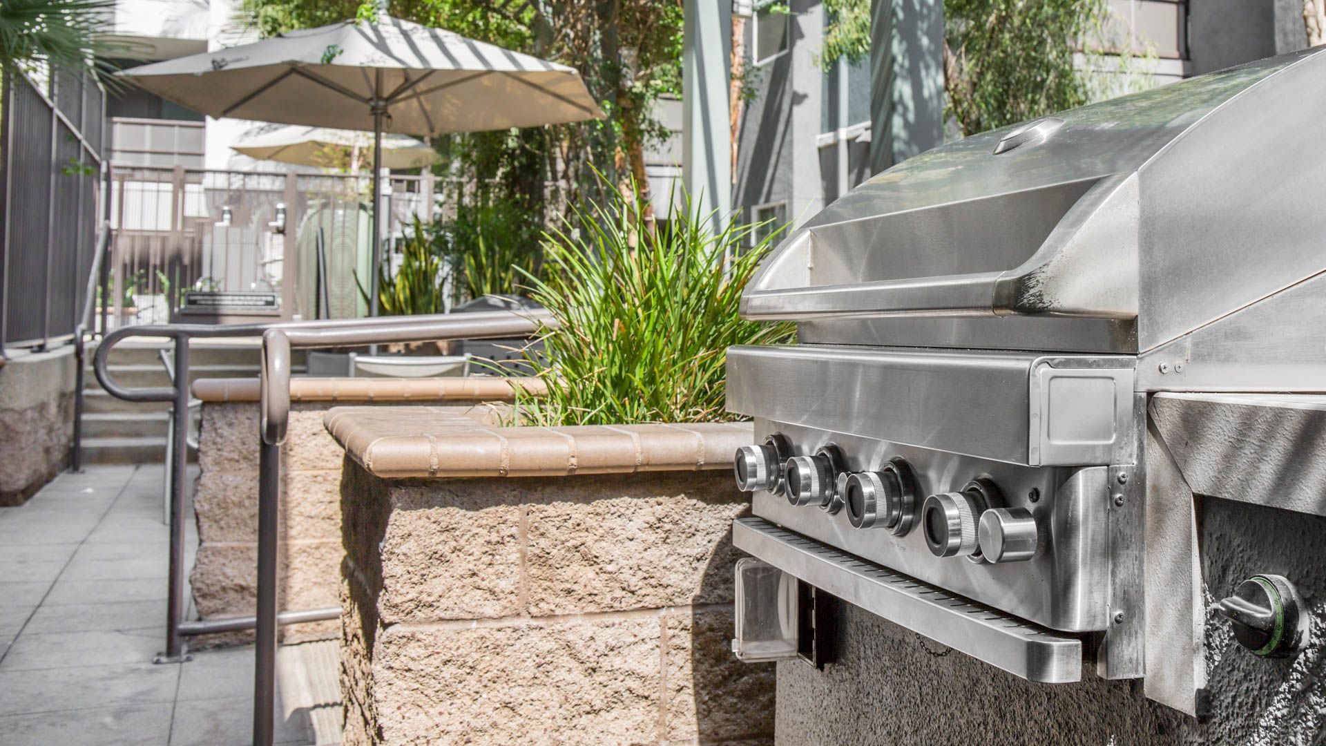 Artisan on 2nd Apartments - Grilling