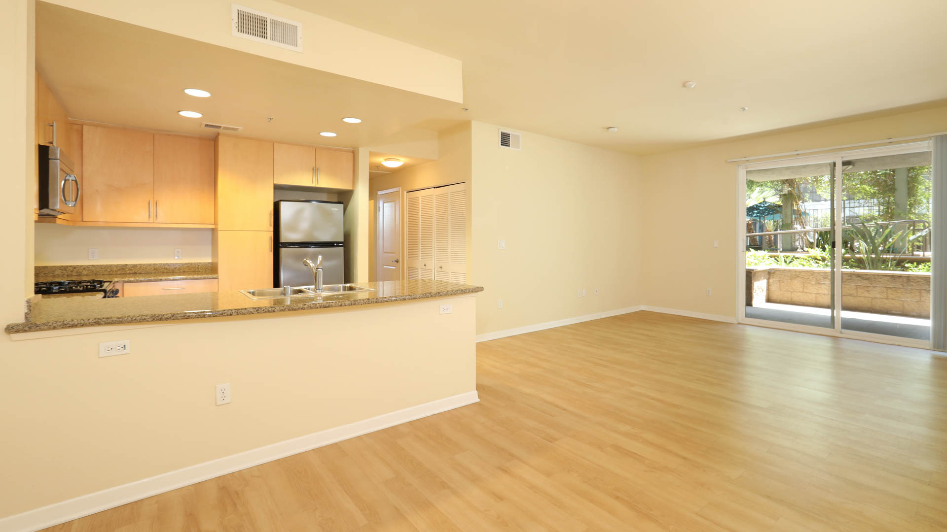 Artisan on 2nd Apartments - Arts District, Los Angeles - 601 E. 2nd ...