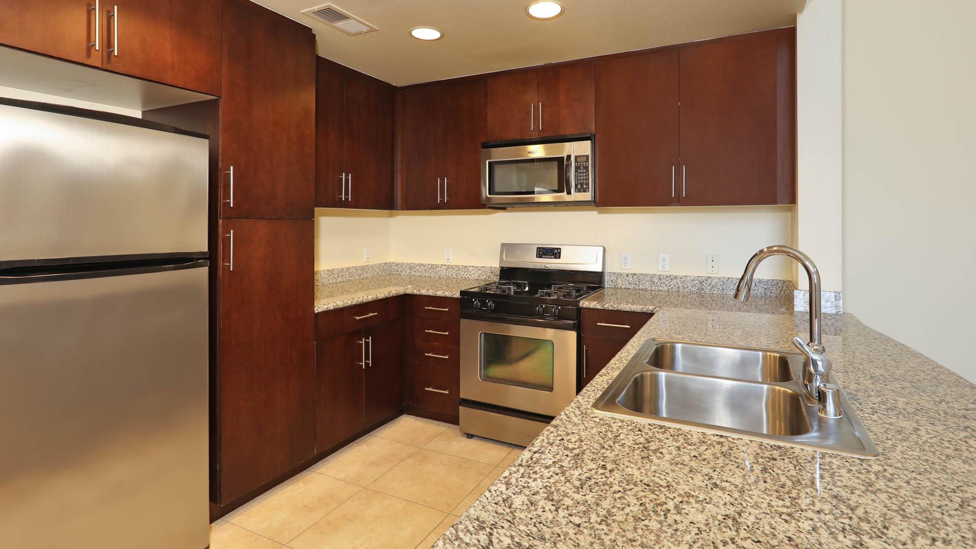 Artisan on 2nd Apartments - Kitchen