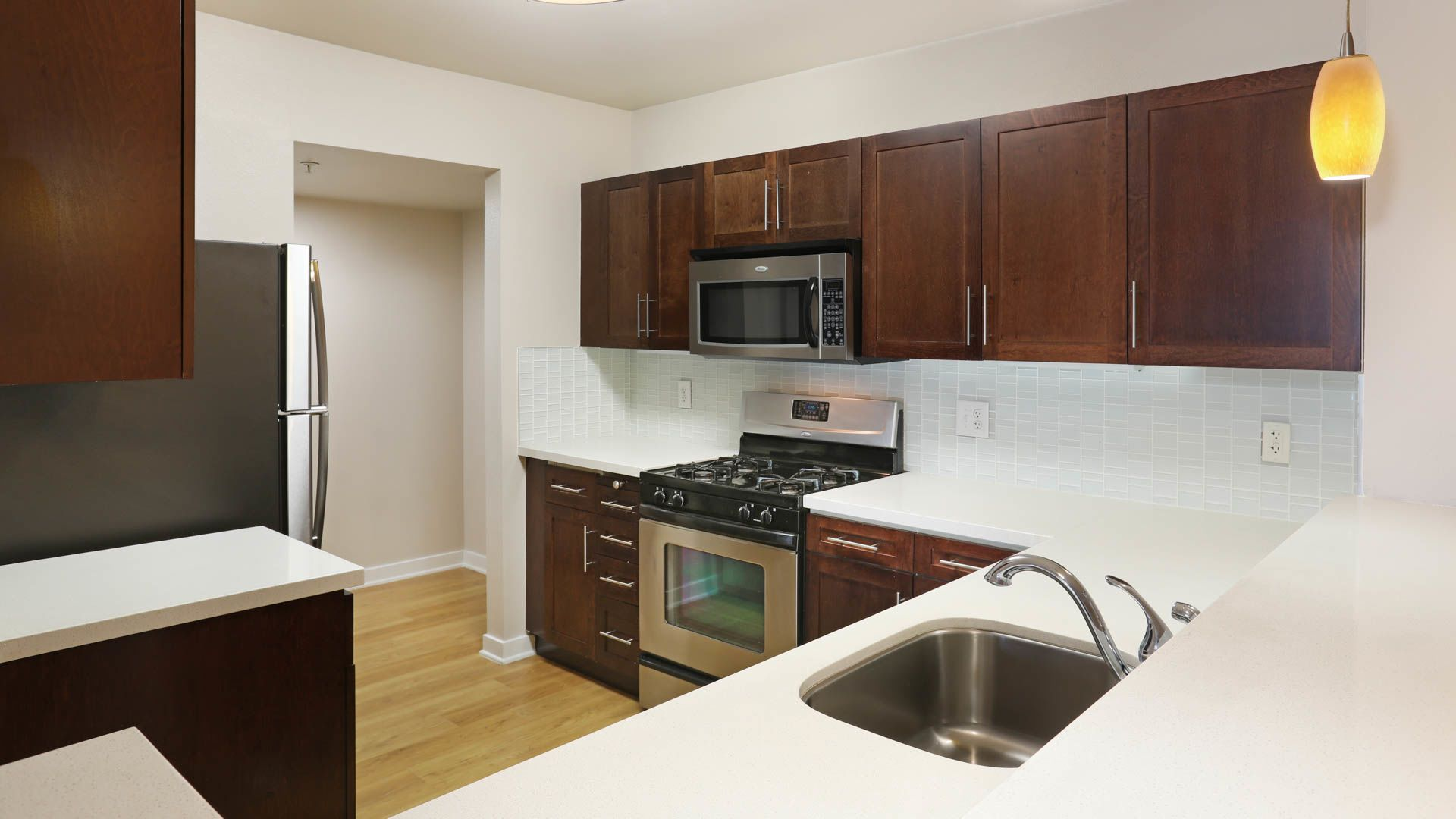 Glo Apartments - Kitchen