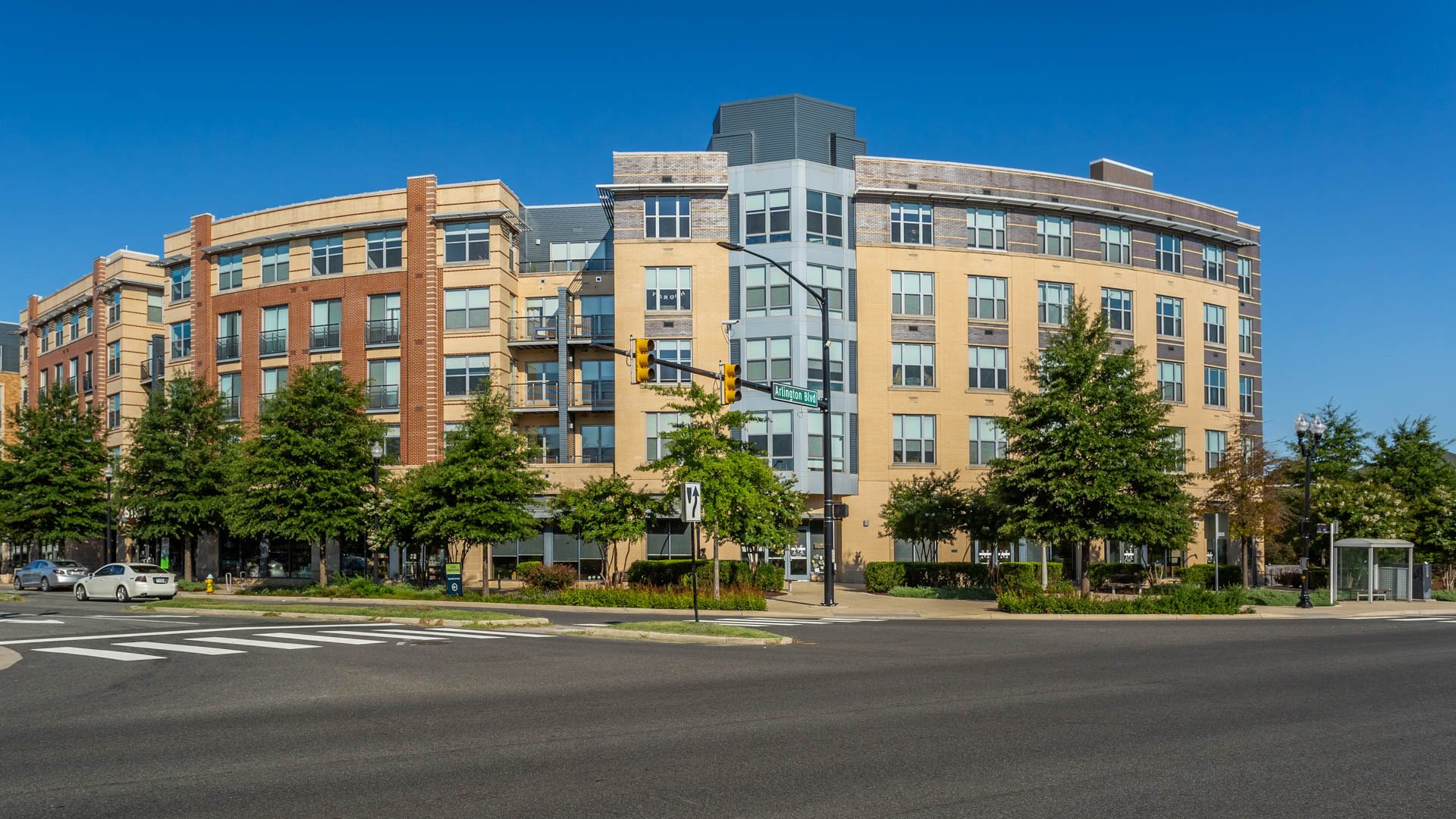2201 Pershing Apartments - Exterior