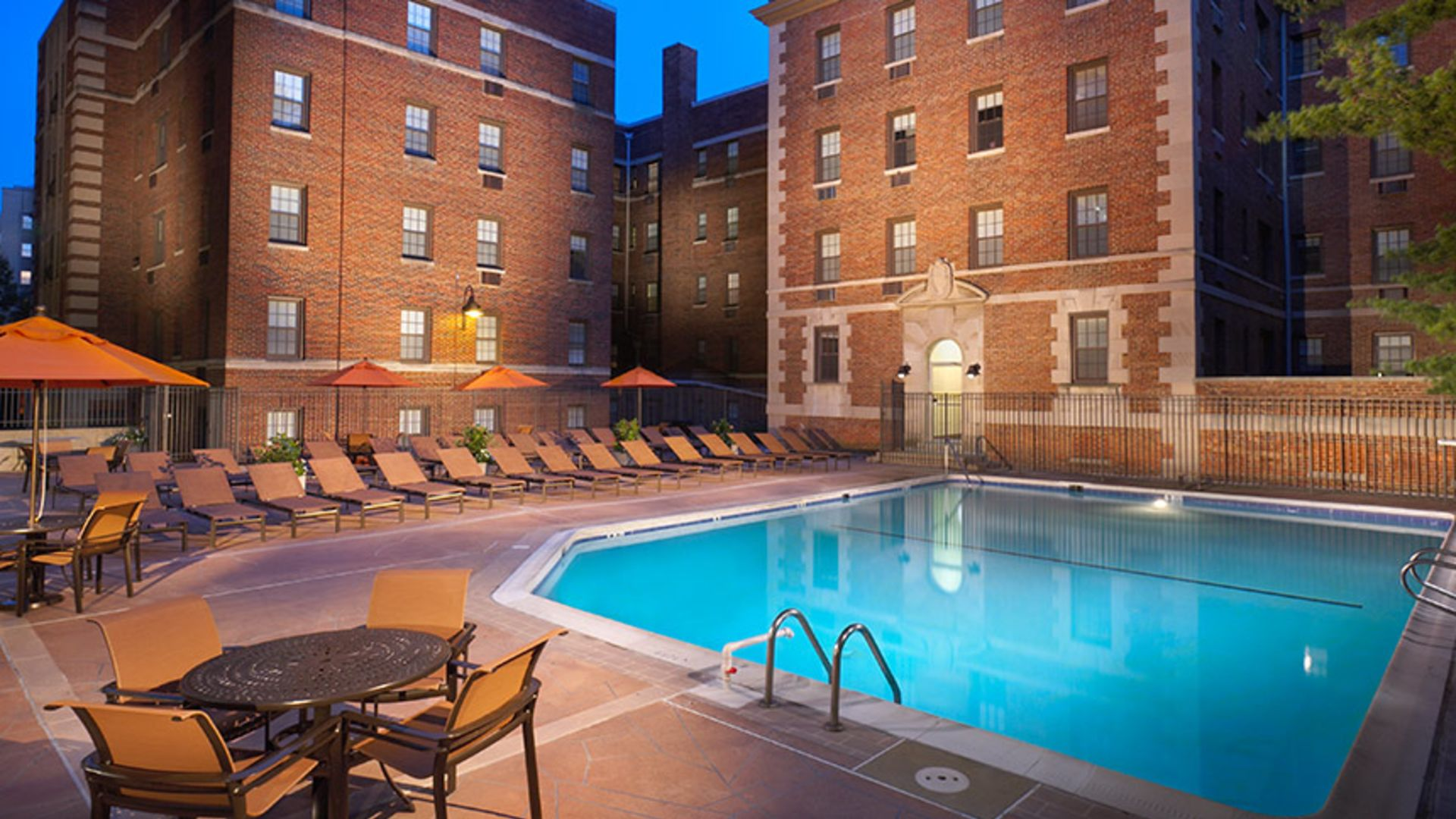 Connecticut Heights Apartments - Swimming Pool