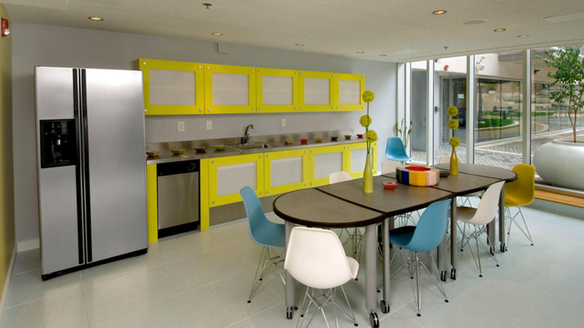 The Flats at Dupont Circle Apartments - Lounge