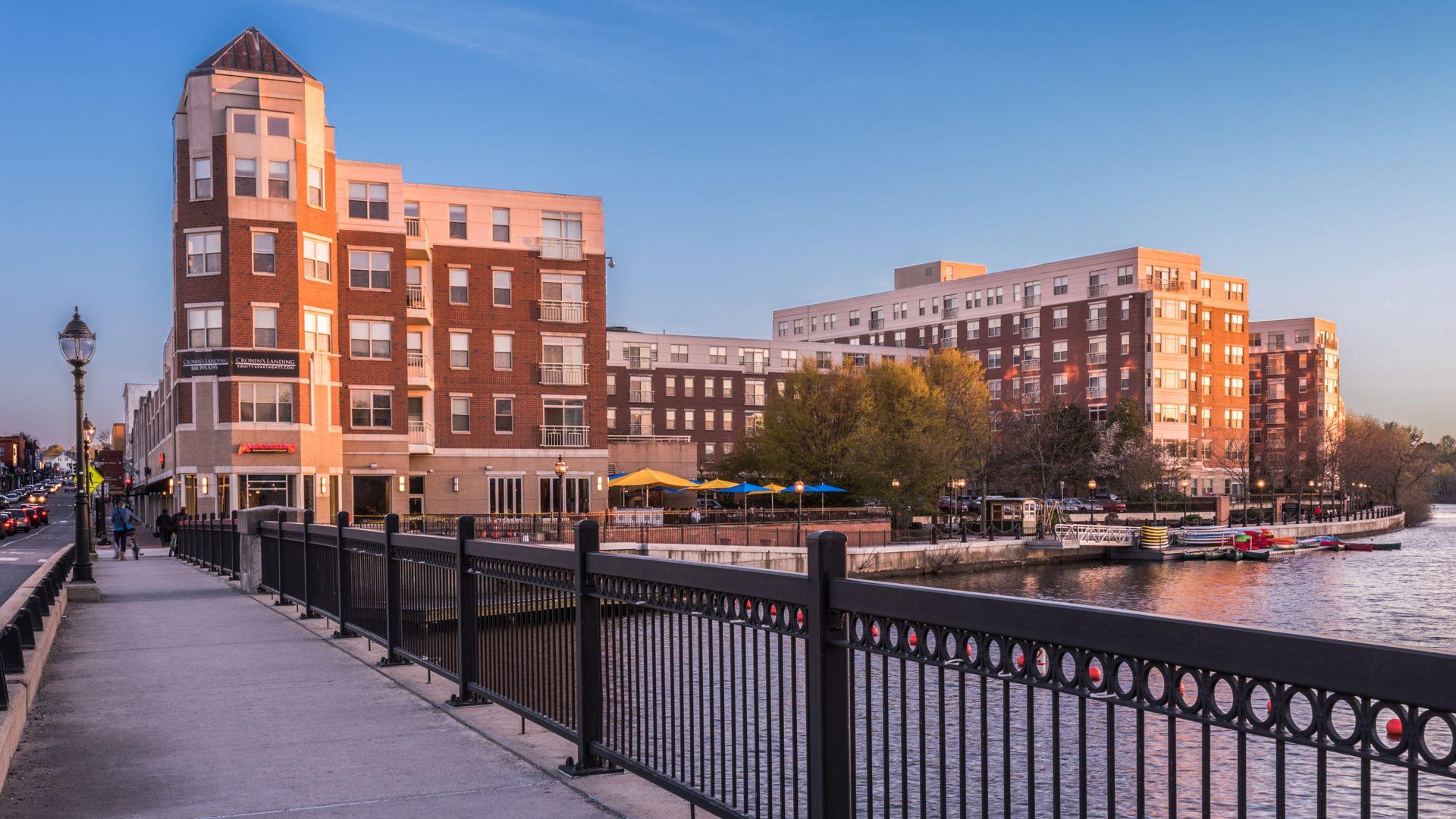 Cronin's Landing Apartments - Exterior