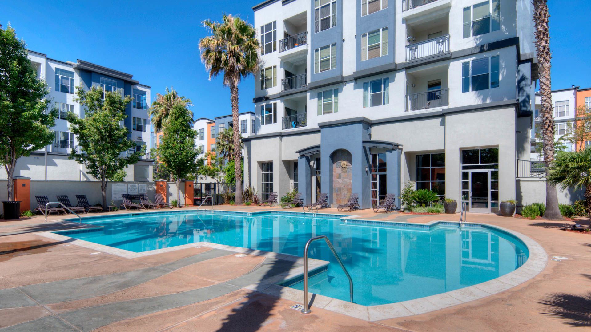 Archstone Fremont Center Apartments - Swimming Pool