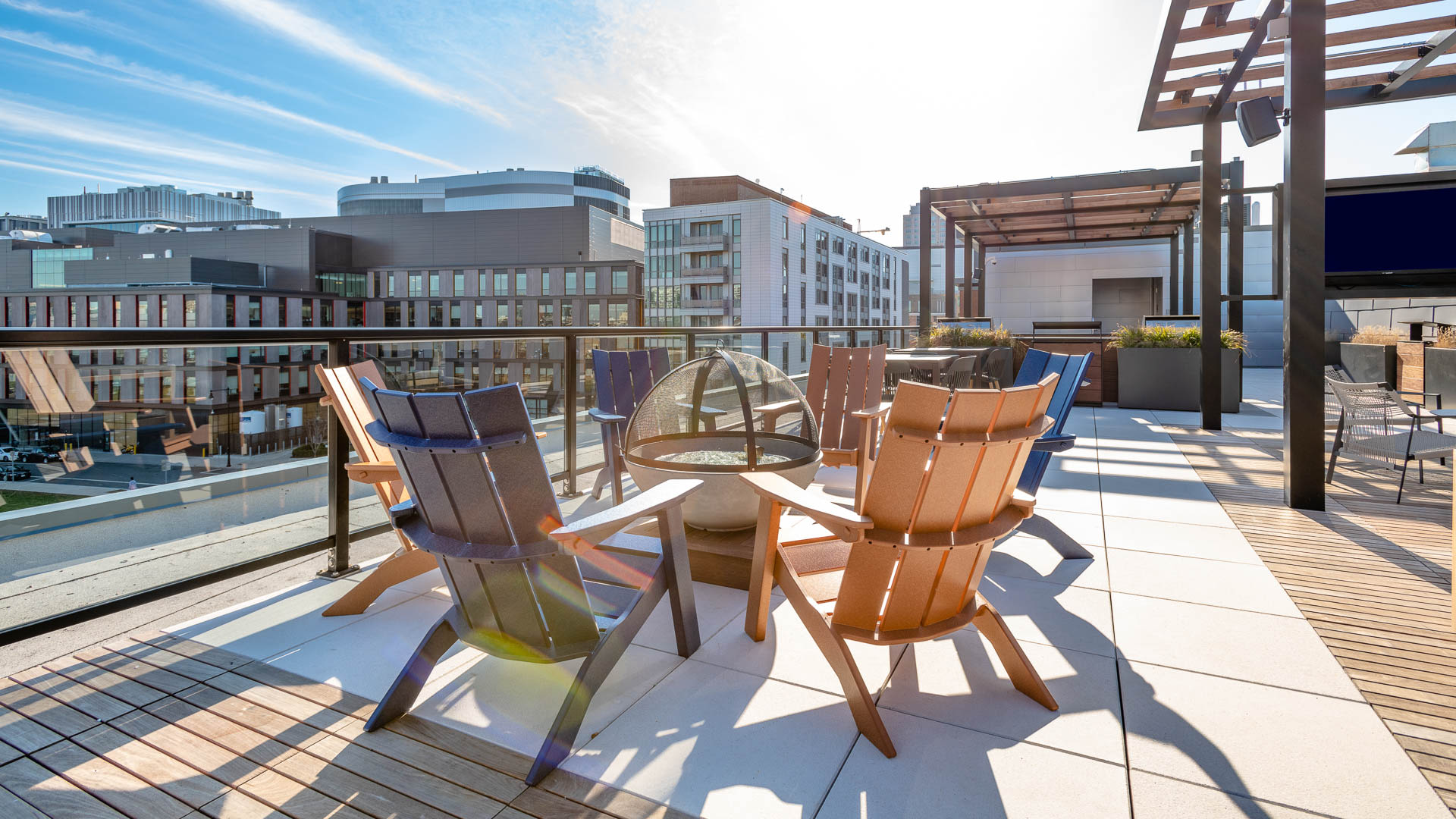Lofts at Kendall Square Apartments - Rooftop Lounge
