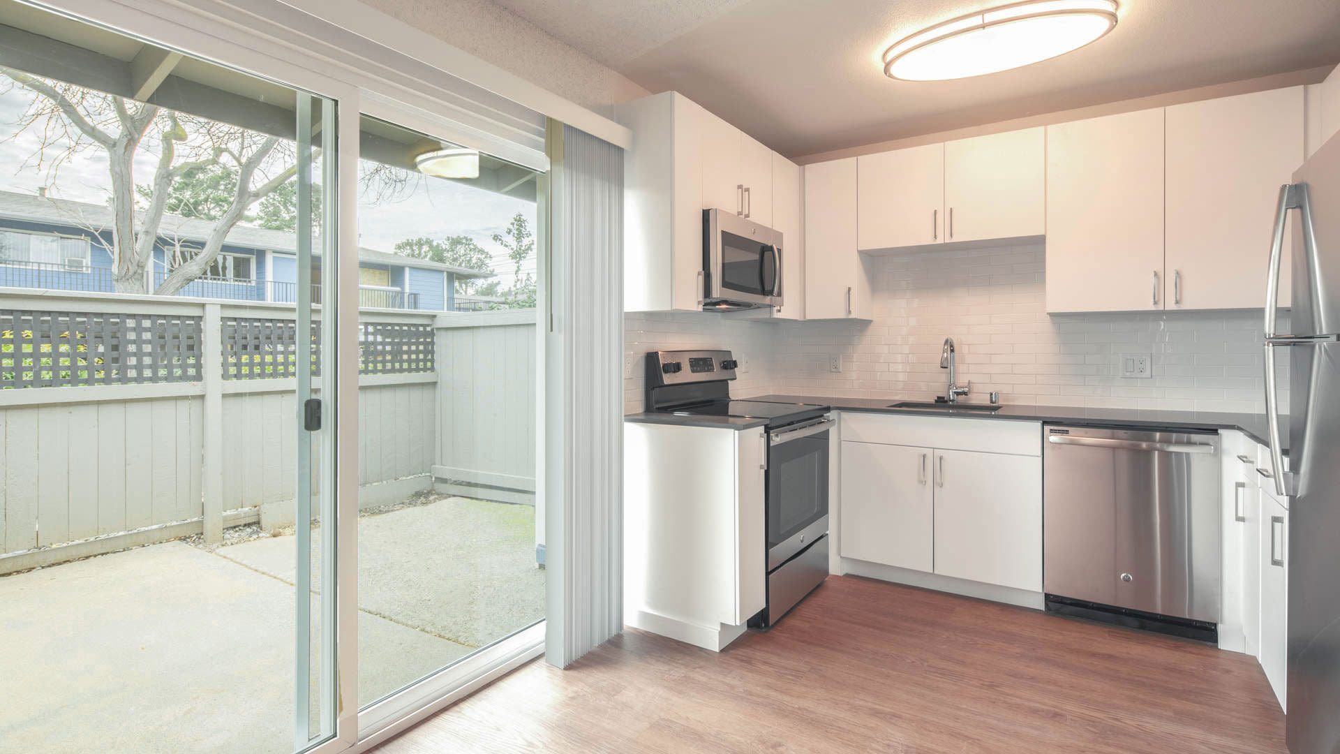 Reserve at Mountain View Apartments - Kitchen and Private Patio
