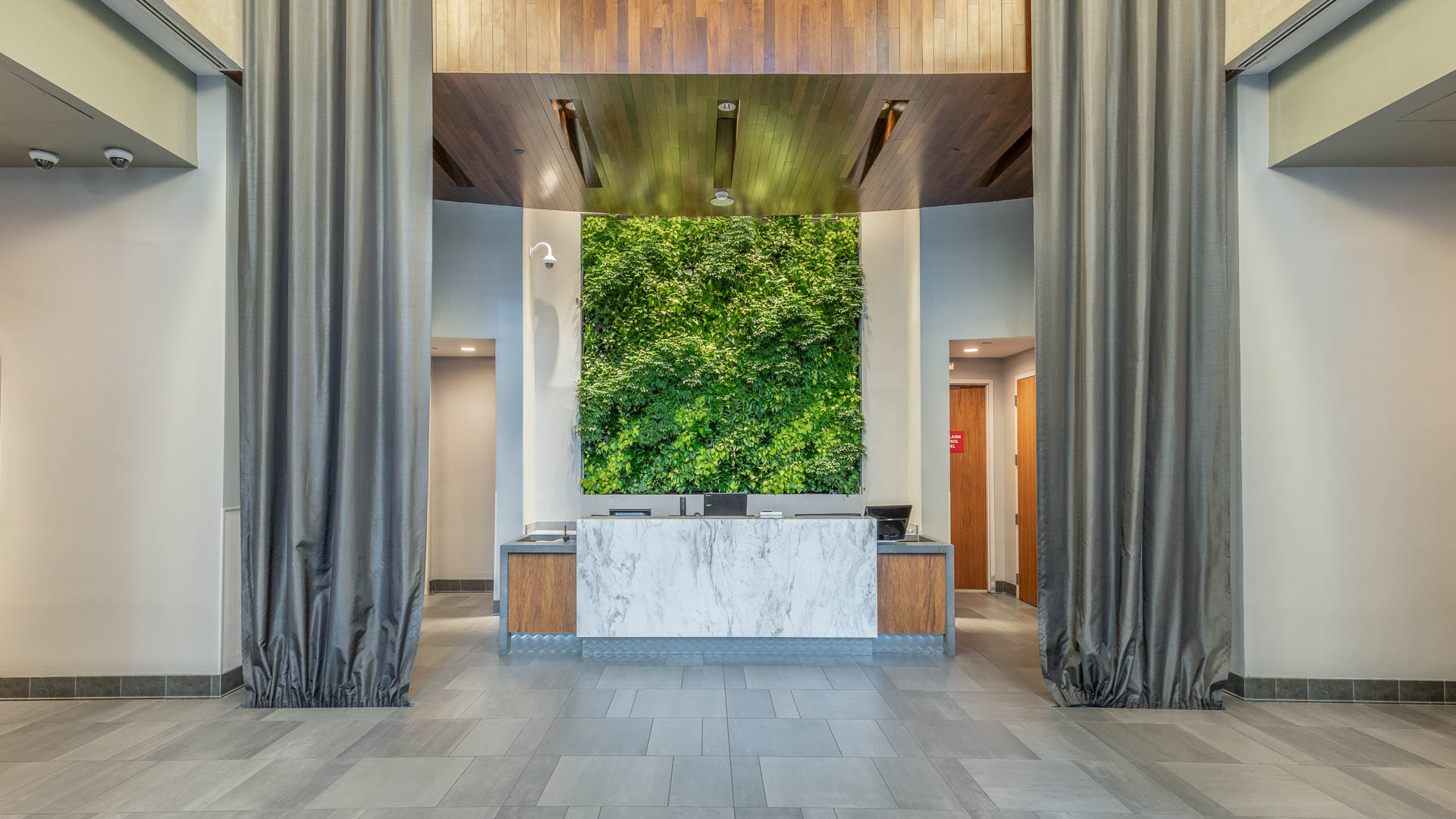 660 Washington Apartments - Lobby