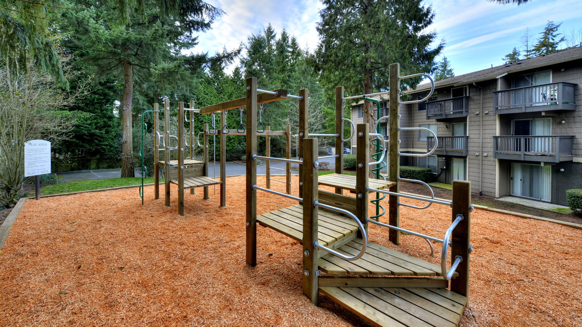 Redmond Court Apartments - Playground